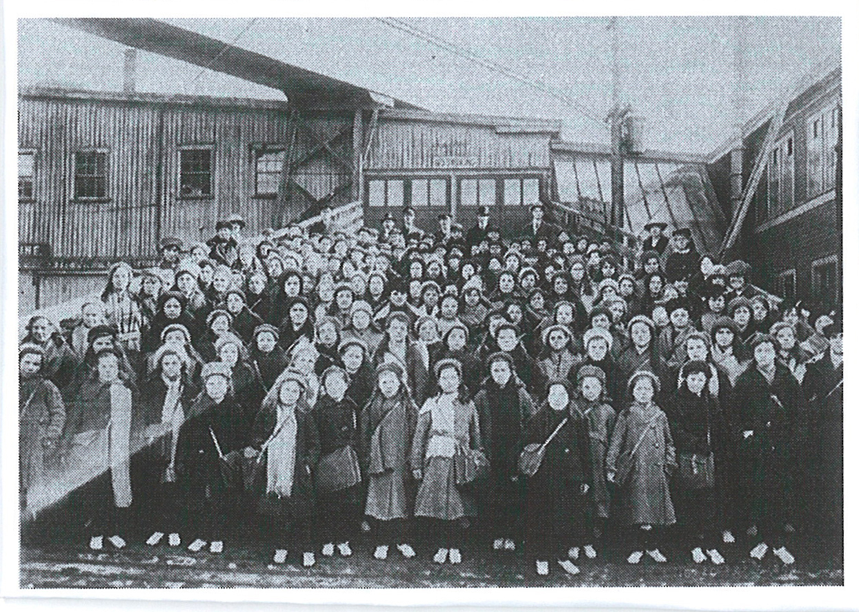 British Home children landing in Saint John's N.B. early 1920s. Courtesy of Library and Archives Canada.