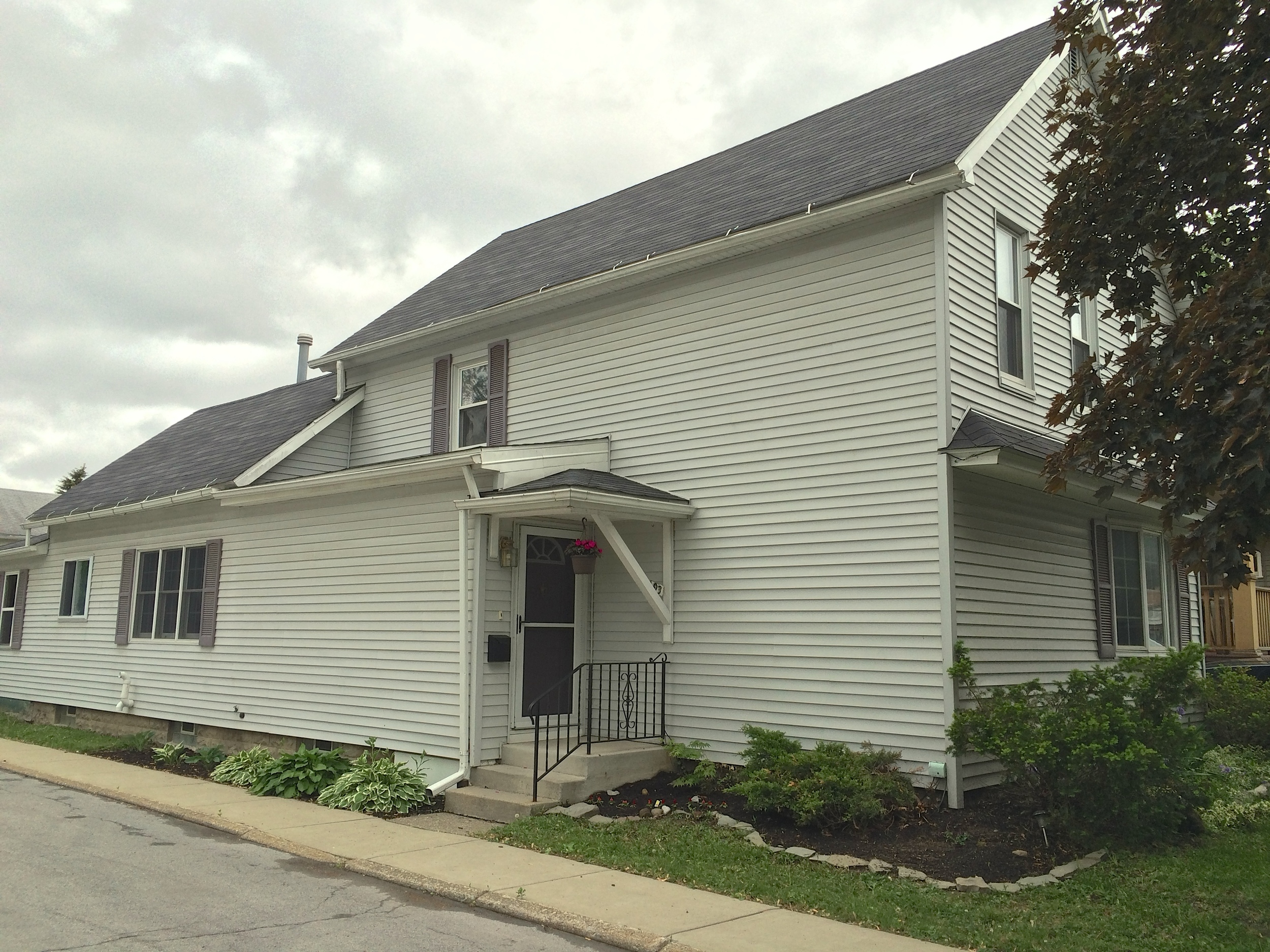 SOLD: 93 Hill St, Tonawanda | $97,900
