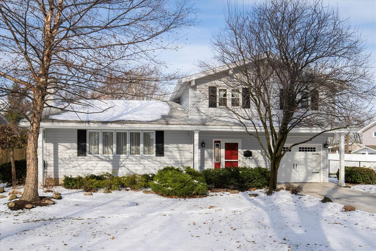 SOLD: 760 Edgewater Dr, Amherst | $217,500