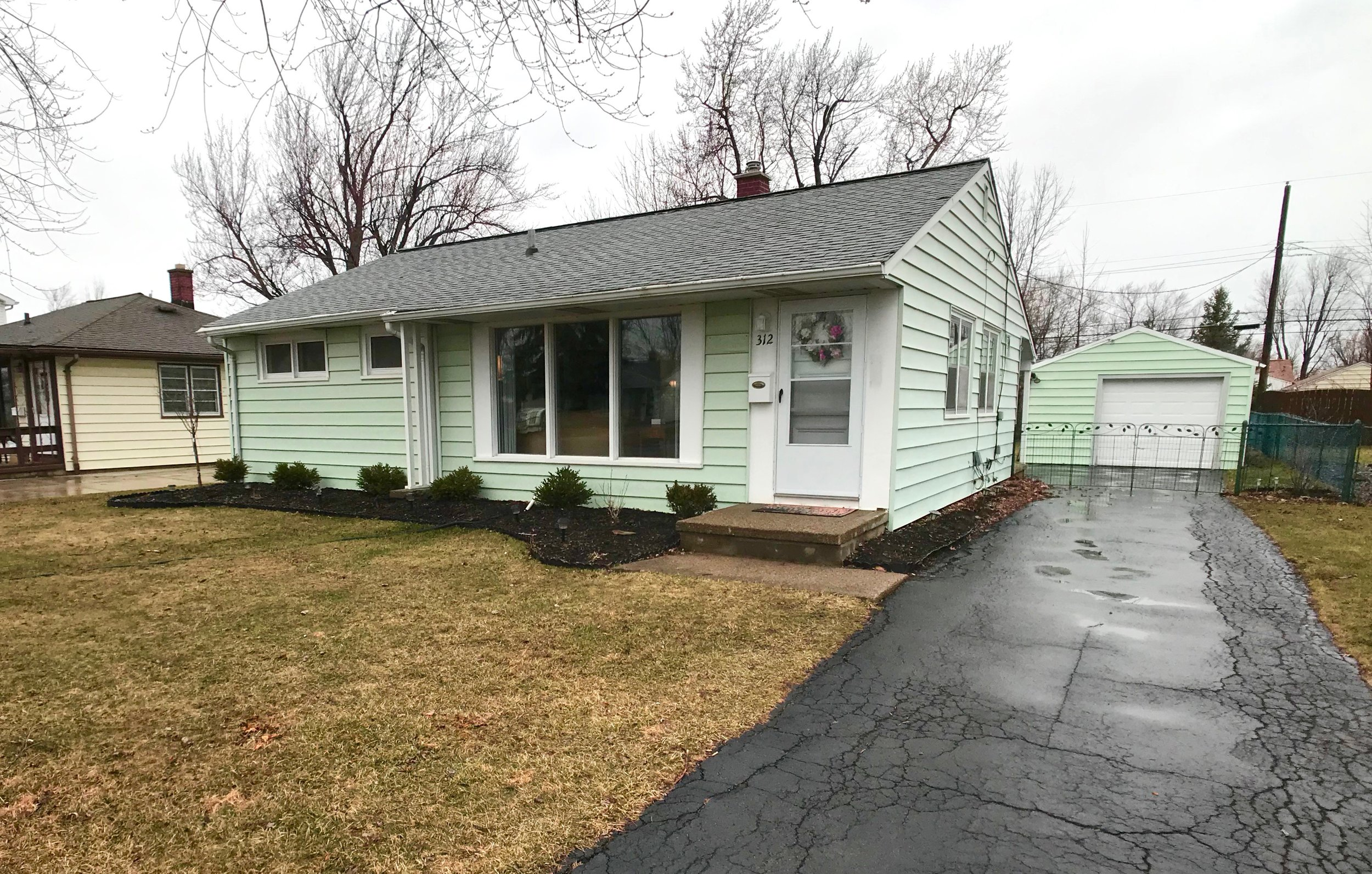 SOLD: 312 Darlington Dr, Tonawanda | $109,900