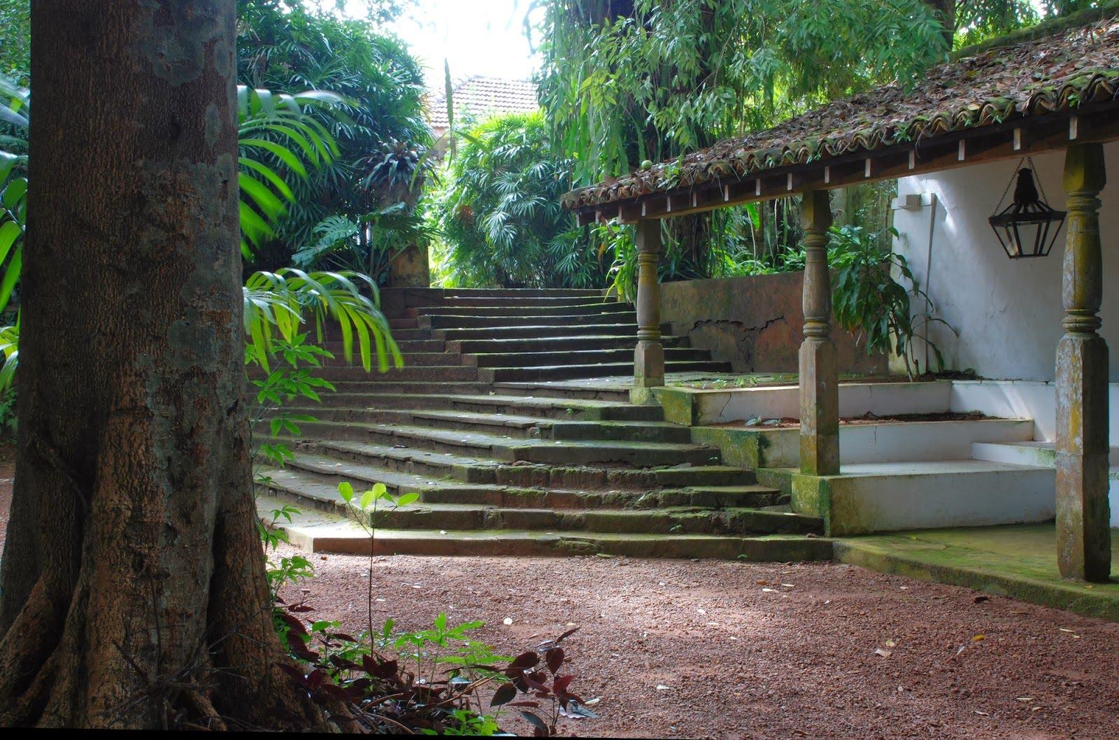 Bawa Lunuganga 52b0a5e2e8e44ee81300004d_remembering-bawa_12_e_-_lunuganga_-_bawa-s_garden_and_estate- (1).jpg