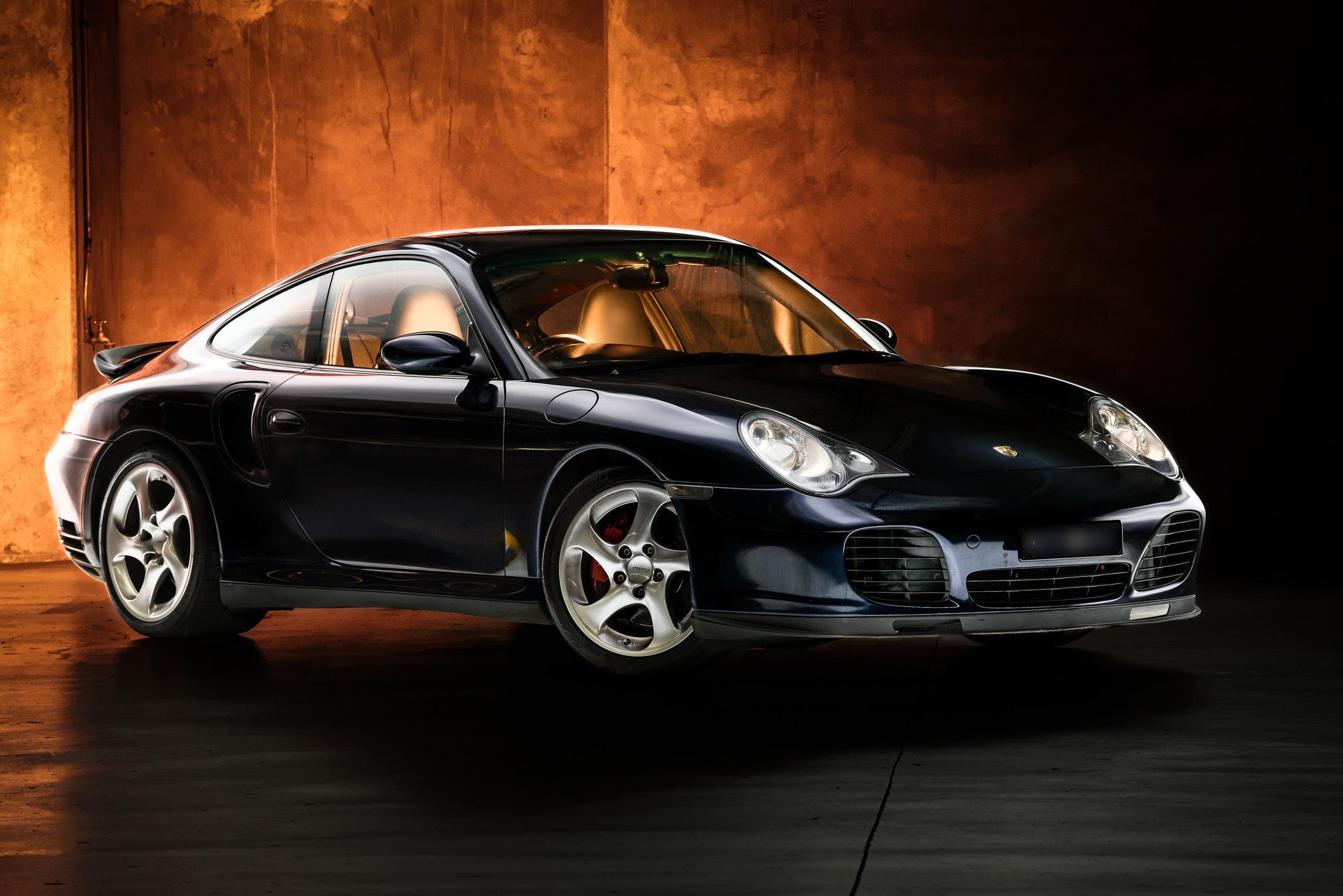 Light Painting - Porsche in car park