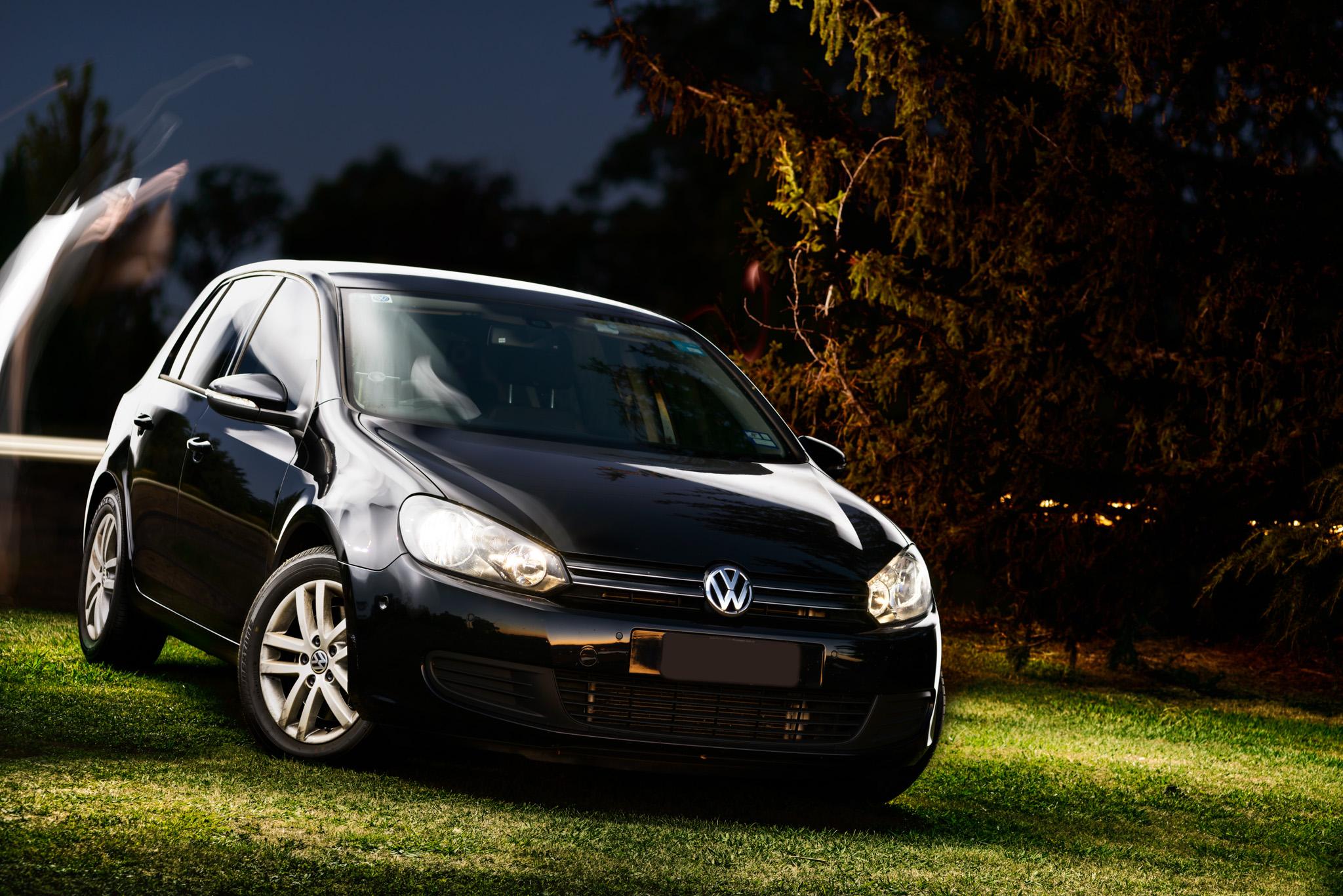 Light Painting - Volkswagen Golf Mk6 black on grass