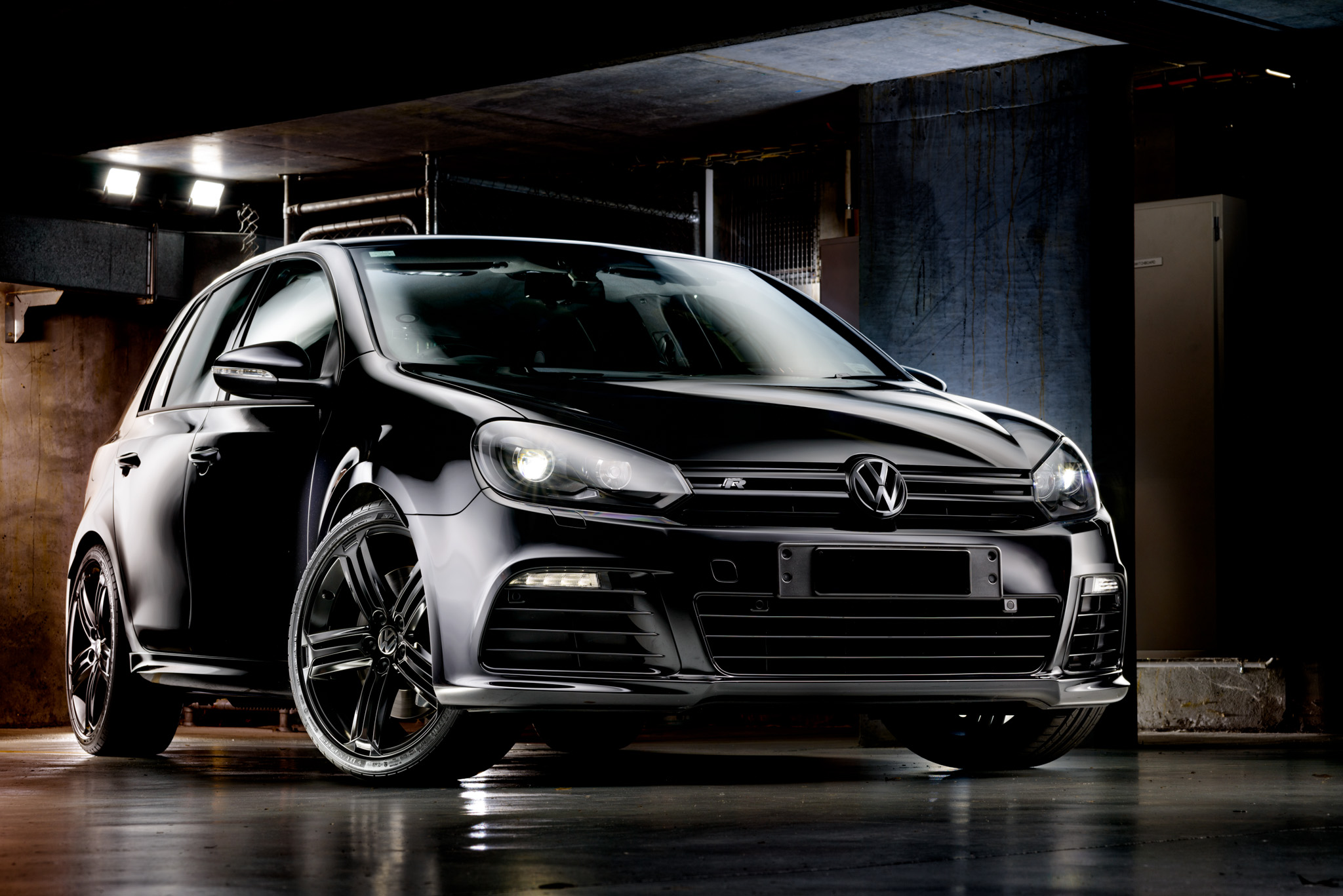 Light Painting - Volkswagen Golf R Mk6 black
