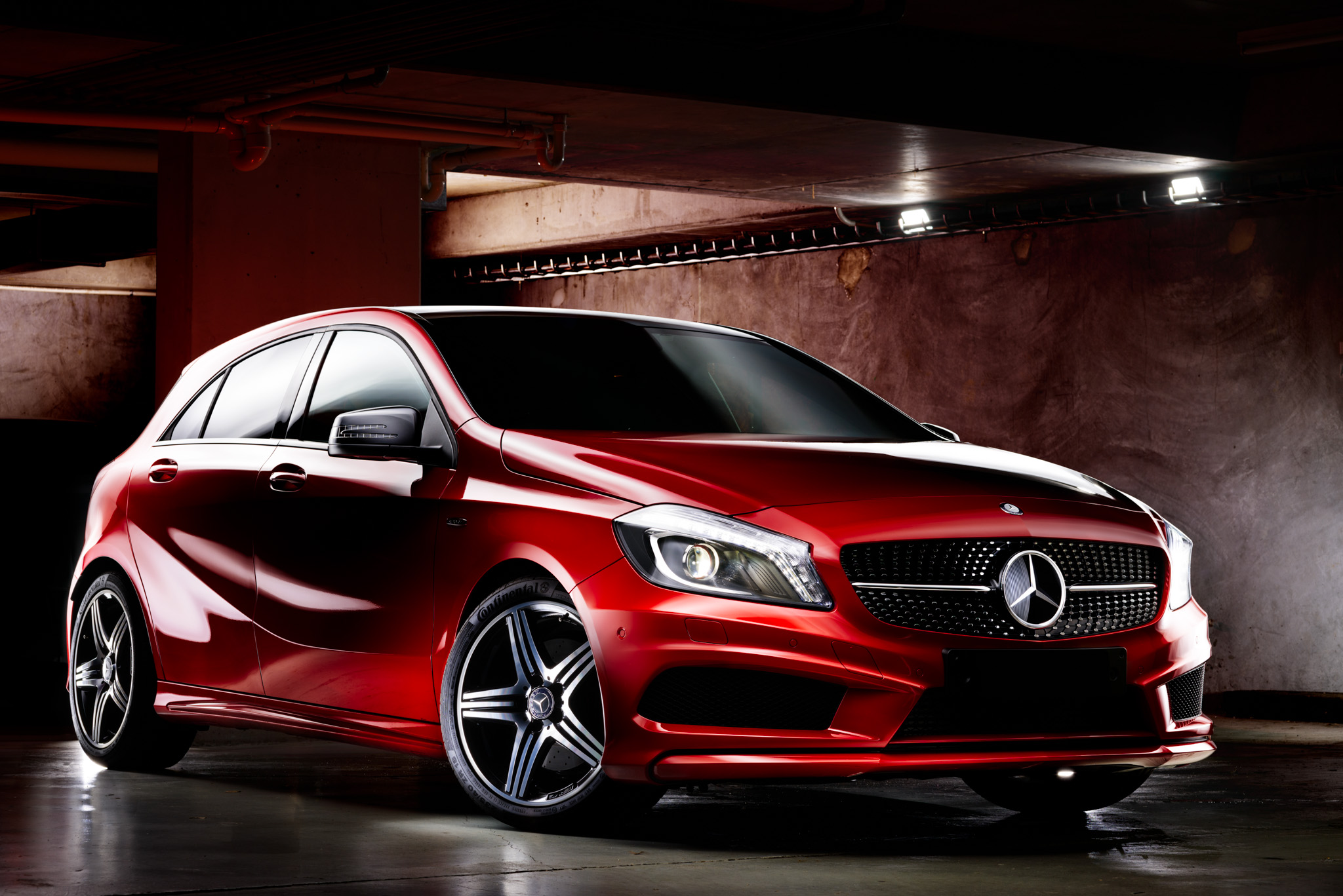 Light Painting - Mercedes A250 red
