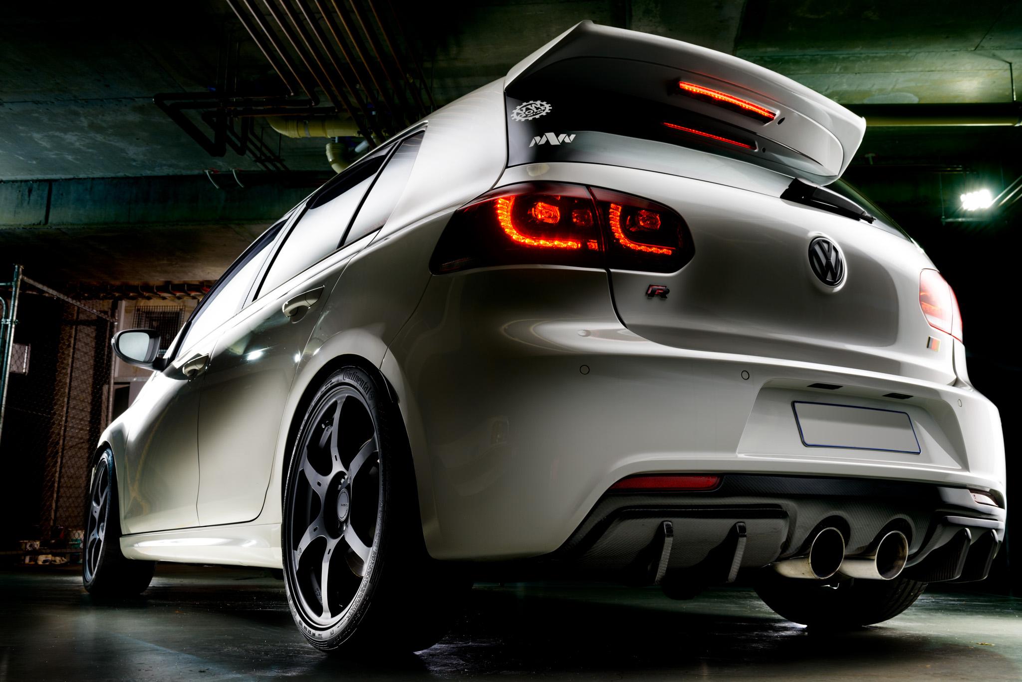 Light Painting - Volkswagen Golf R Mk6 white