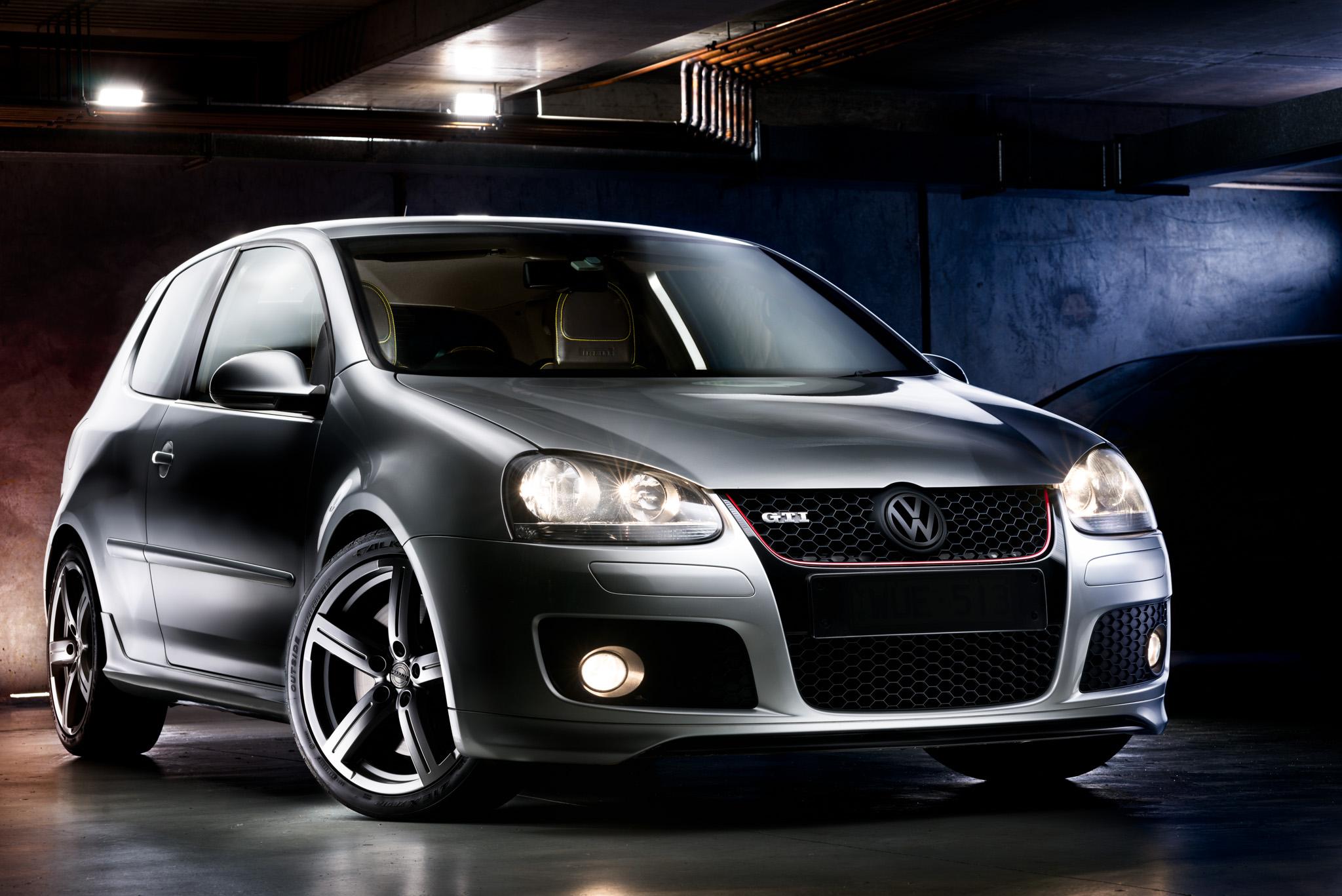 Light Painting - Volkswagen Golf GTI Mk5 silver Pirelli Edition