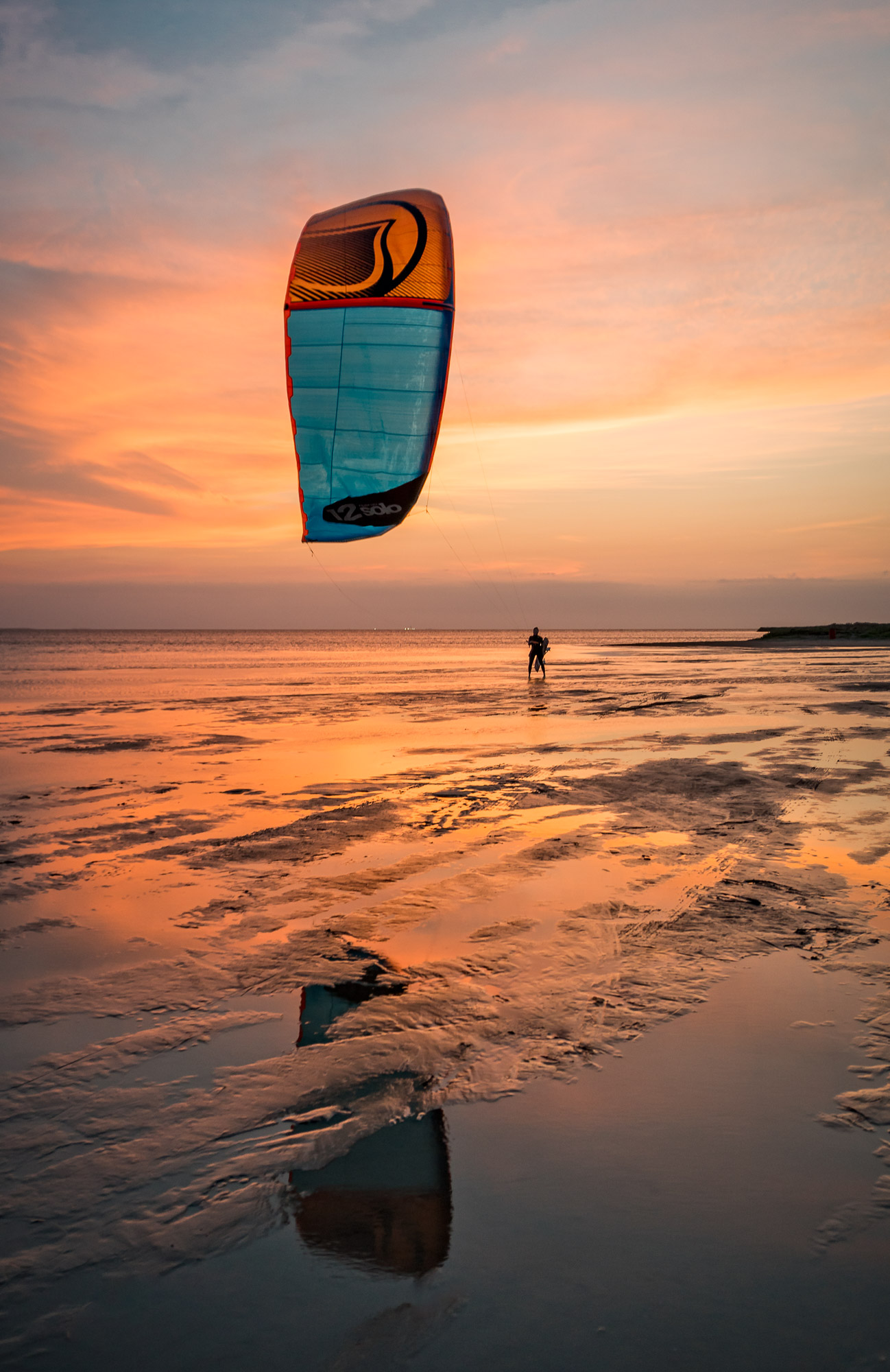 Last Kiter Out: Sony A6300: 19mm, F4, 1/60s, ISO 320