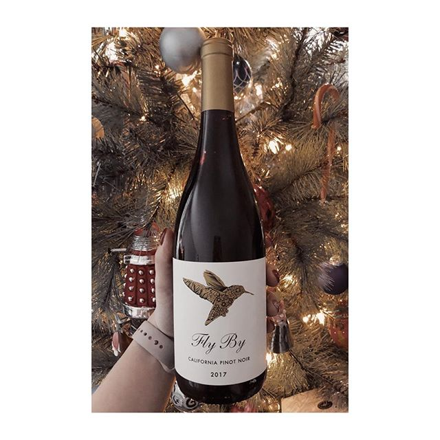 FLY BY PINOT NOIR (California 🇺🇸) . . Not every pick is going to be a winner, and this Pinot Noir is proof of that. The tannins were obnoxious, the acidity was too high, and the overall flavour was sharp. Baked cherries and stewed plums were the predominant flavours; I'm told some people tasted hints of licorice and black pepper, but honestly I barely managed a few sips before calling this one. . . . #flybywines #californiawine #pinotnoir #winereview #badwinereviews #badwine #cswcandidate #redwine #corkdork #winenerd #yegwines #womeninwine #wset #wineblogger