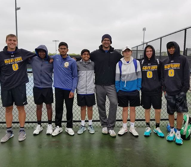 Rainy day at the New Albany tourney, but we got in a lot of tennis. Congratulations to @oh.khayat and Sam for placing 2nd and 3rd (respectively) in first and second singles (respectively). Others didn't quite finish, but represented the Braves well! #gobraves