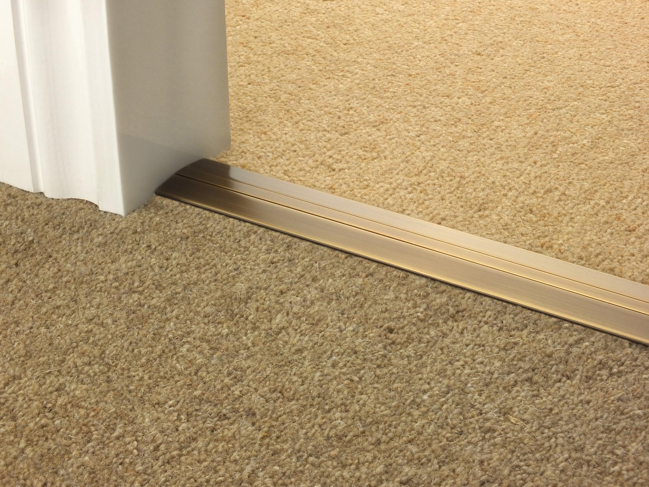 door_bar_antique_brass_posh38_carpet_carpet.jpg