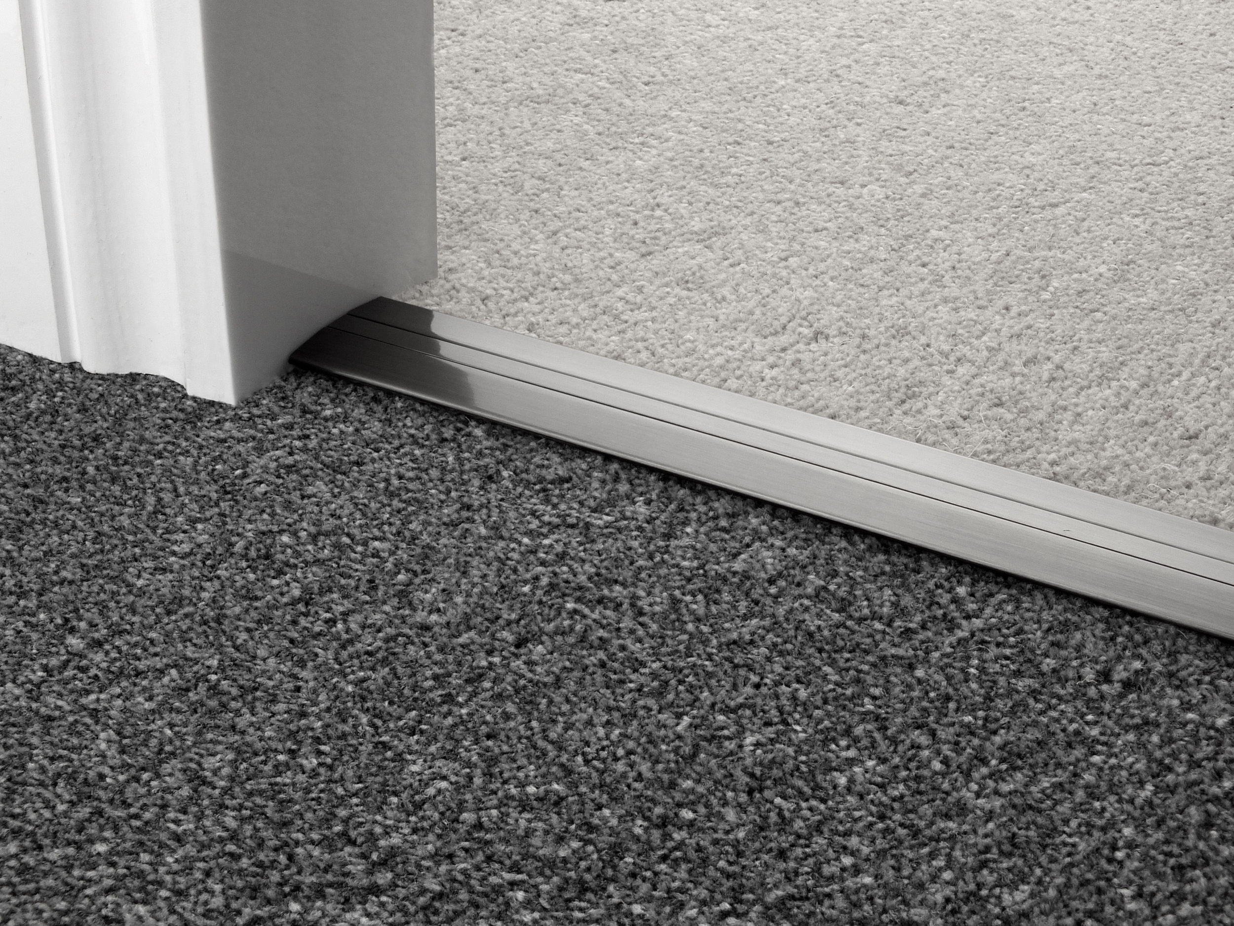 door_bar_pewter_posh38_carpet_carpet.jpg