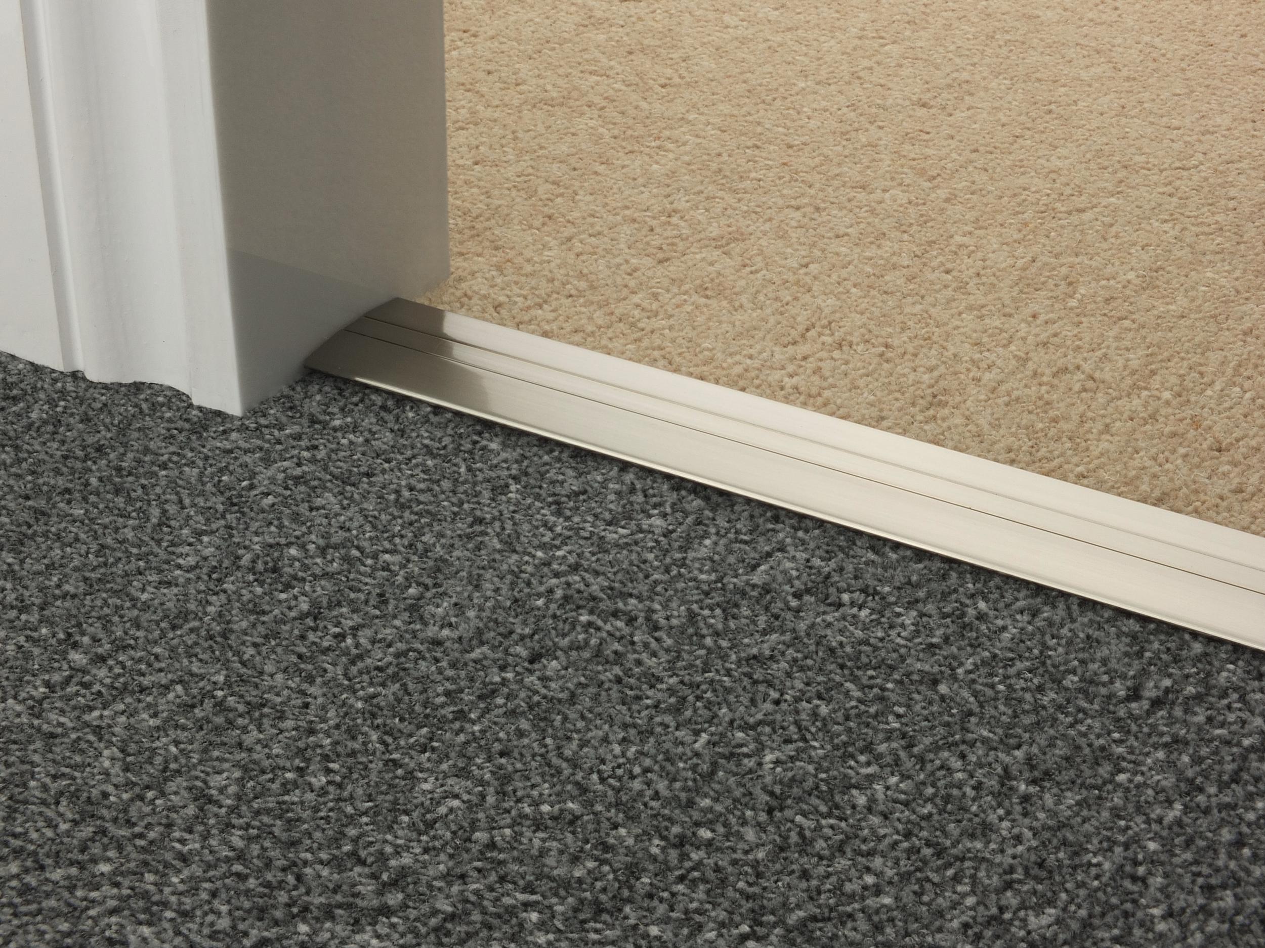door_bar_satin_nickel_posh38_carpet_carpet.jpg