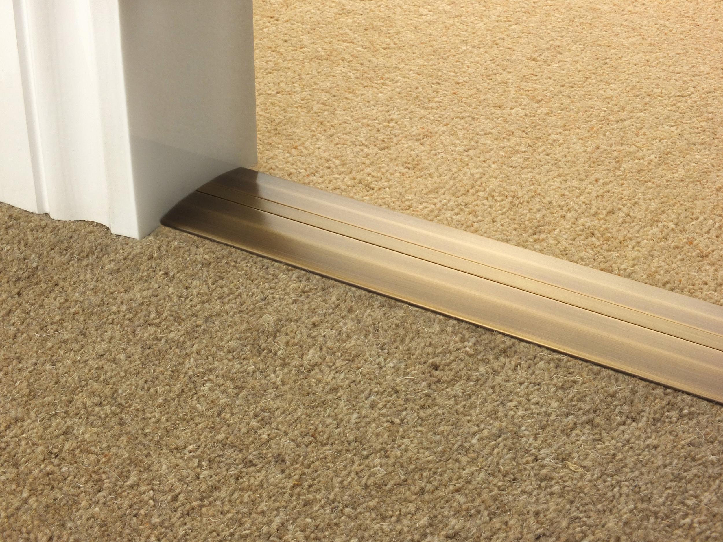 door_bar_antique_brass_posh55_carpet_carpet.jpg