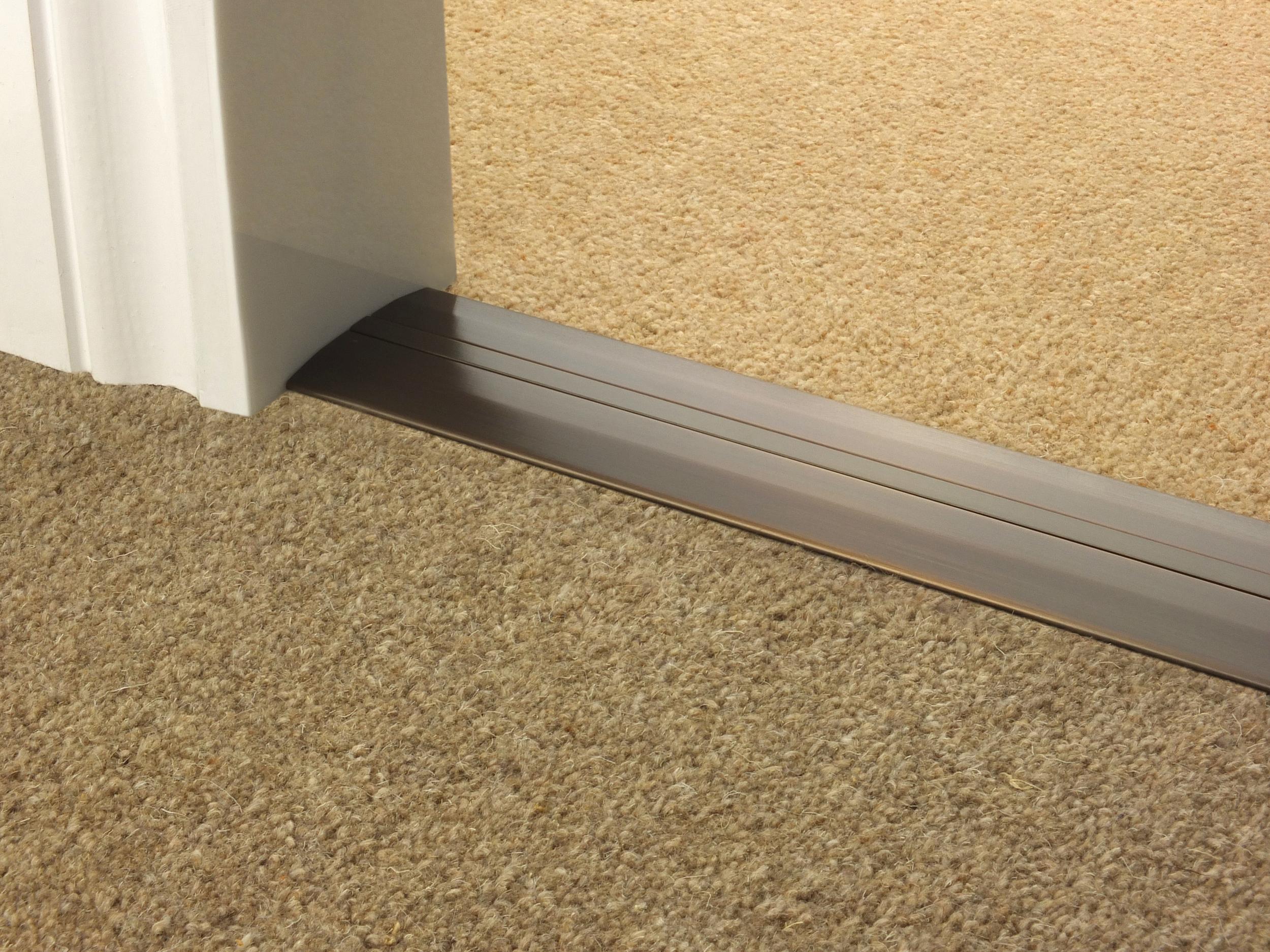 door_bar_antique_bronze_posh55_carpet_carpet.jpg