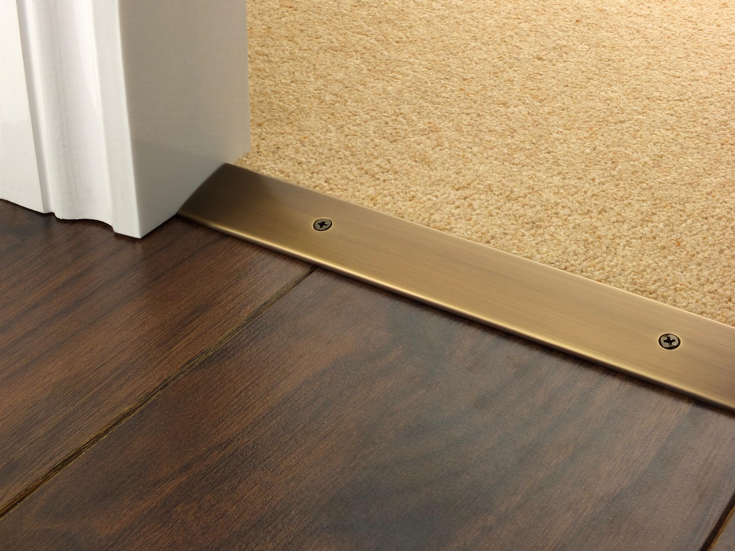 door_bar_antique_brass_cover_laminate_carpet_laminate.jpg