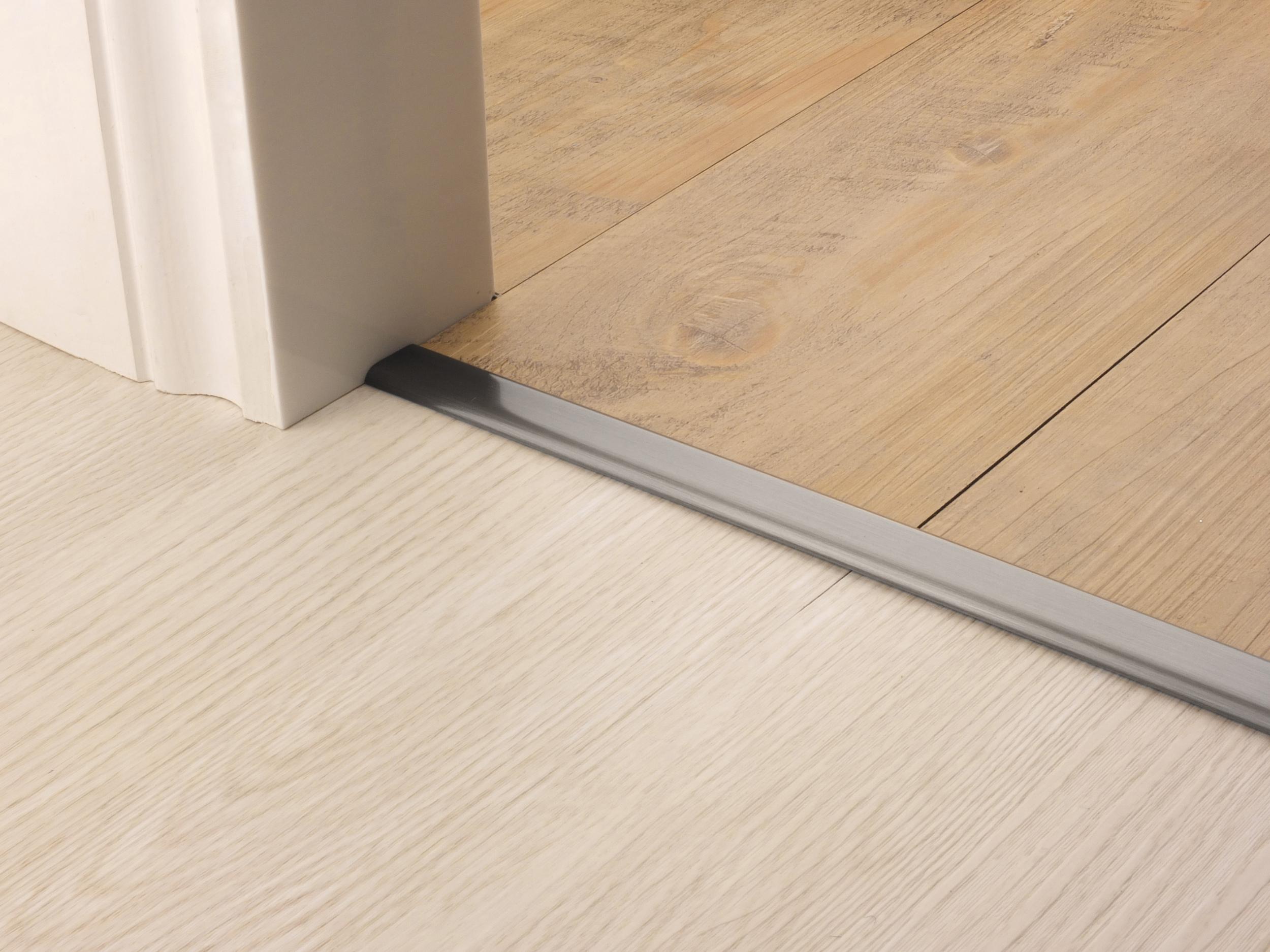 stairrods-doorbar-vinyl-edge-pewter.jpg