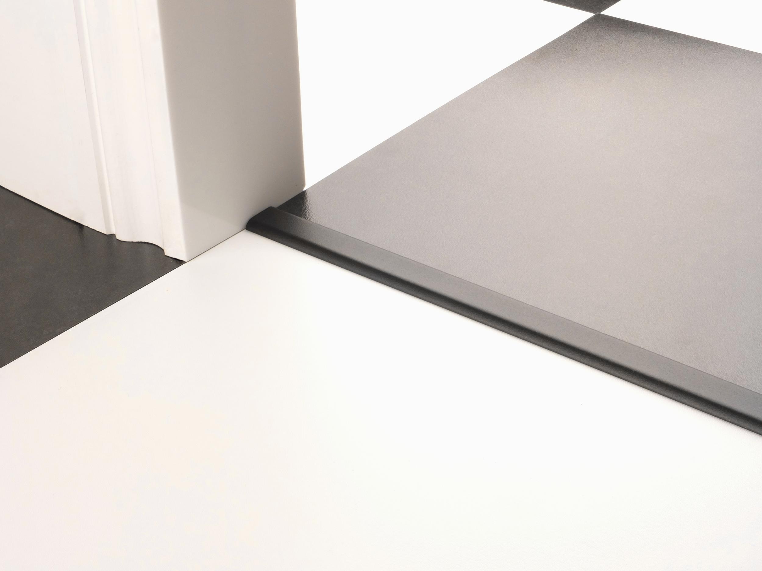 stairrods-doorbar-black-vinyl-edge-2.jpg