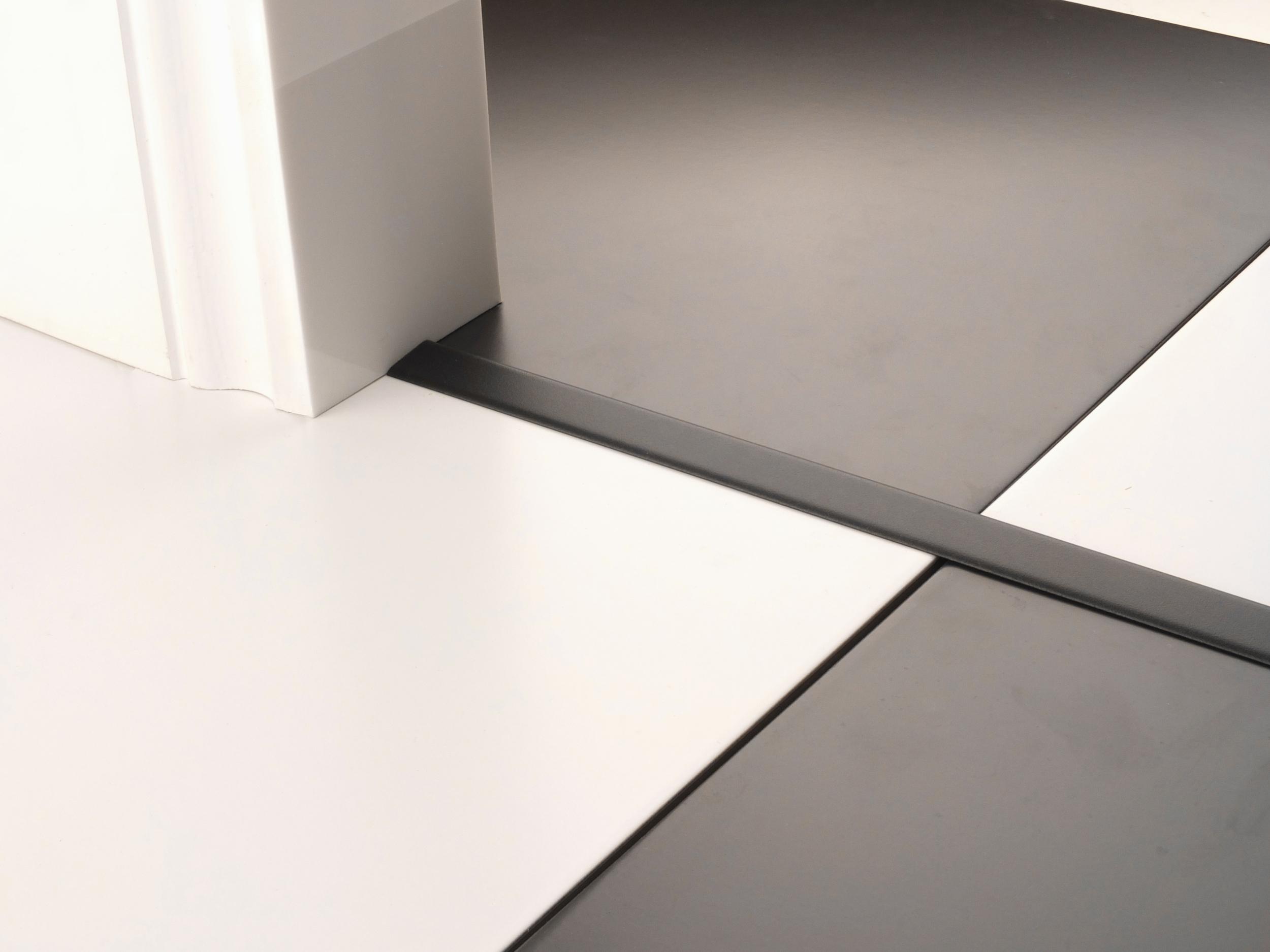 stairrods-doorbar-black-little-t.jpg