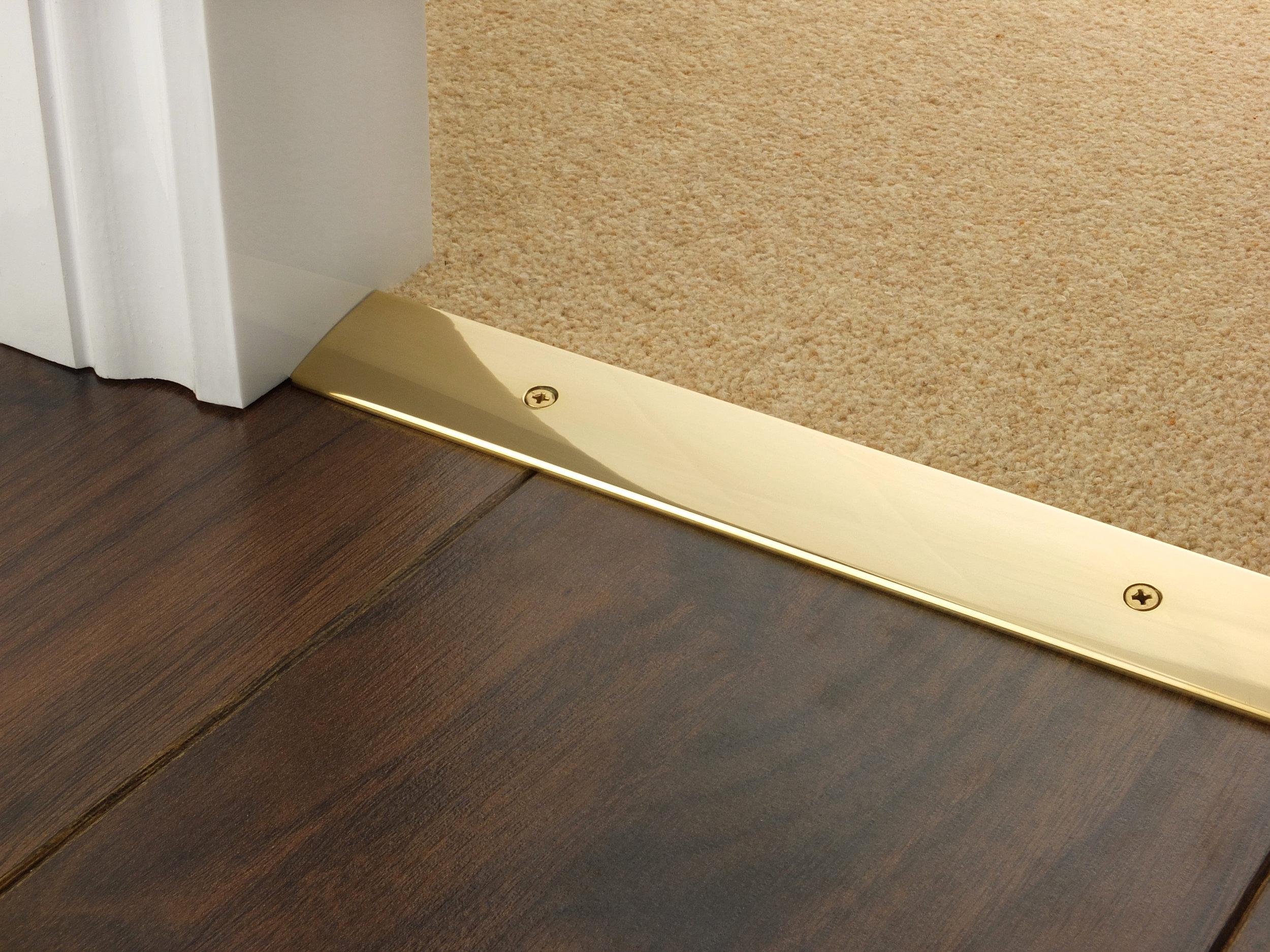 door_bar_brass_cover_laminate_carpet.jpg