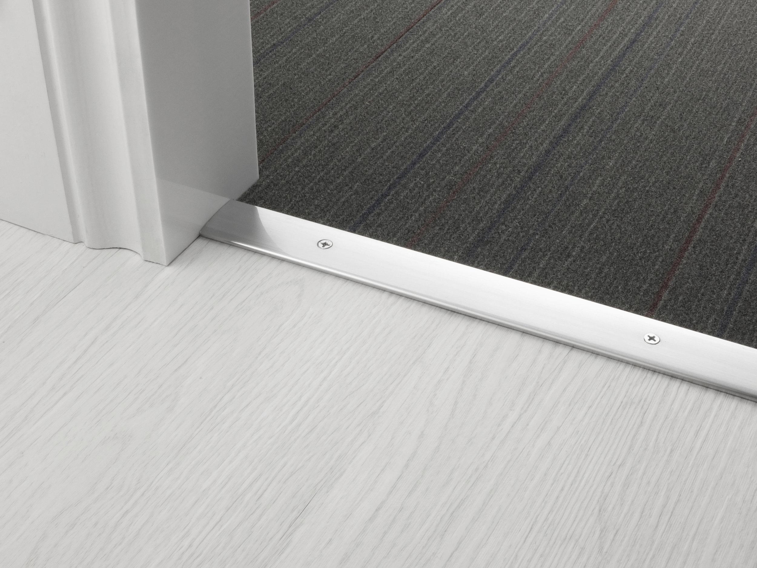 door_bar_cover-30mm_c2h_brushed_chrome.jpg