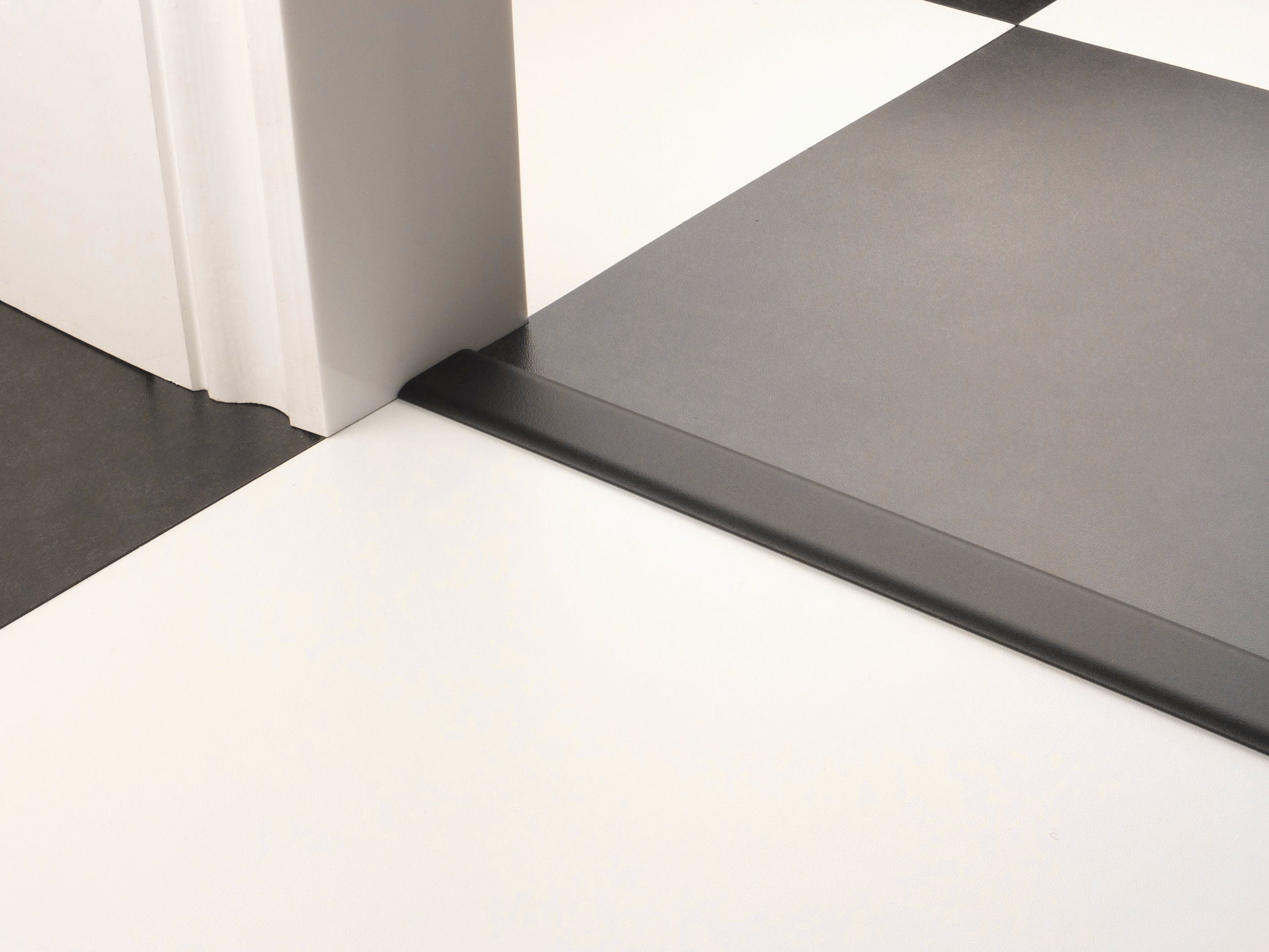 stairrods-doorbar-black-eurocover.jpg