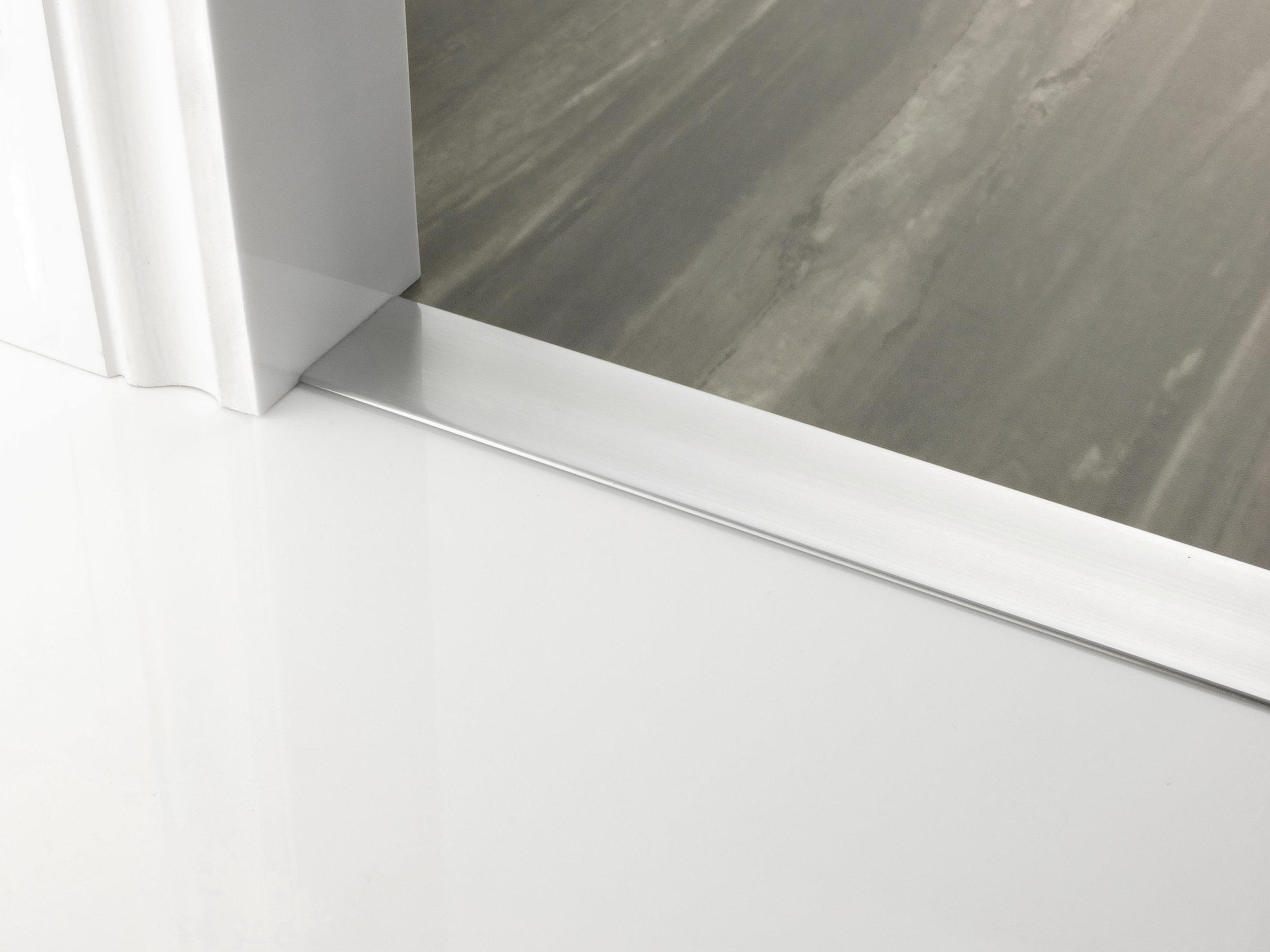 door_bar_floating_cover-50mm_brushed-chrome.jpg