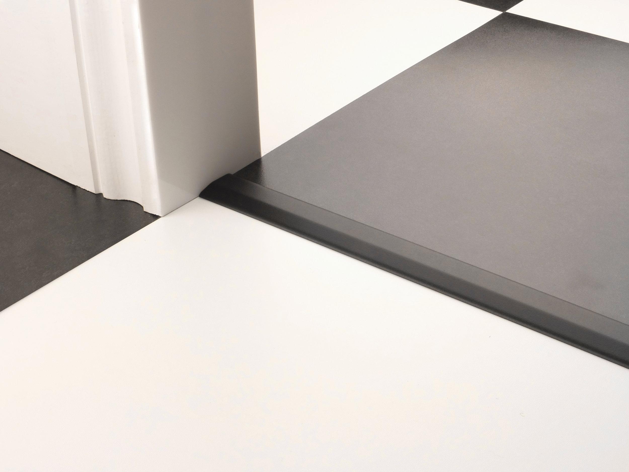 stairrods-doorbar-black-two-way-ramp.jpg