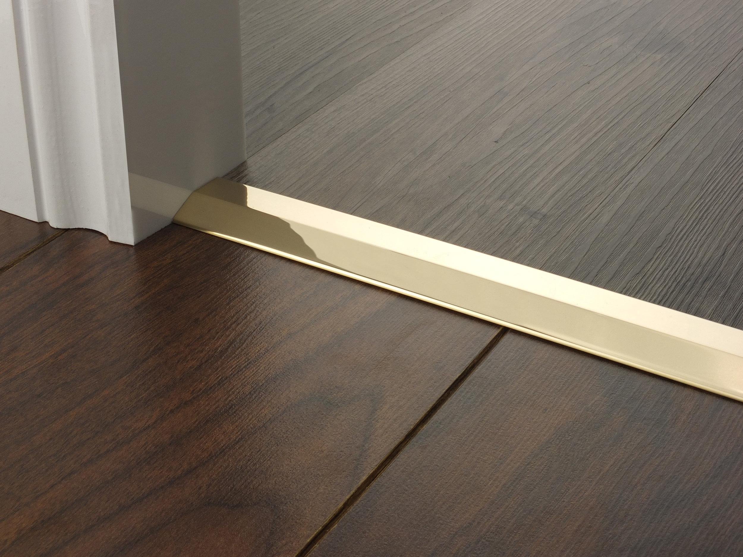 door_bar_brass_two_way_ramp_6-7mm.jpg