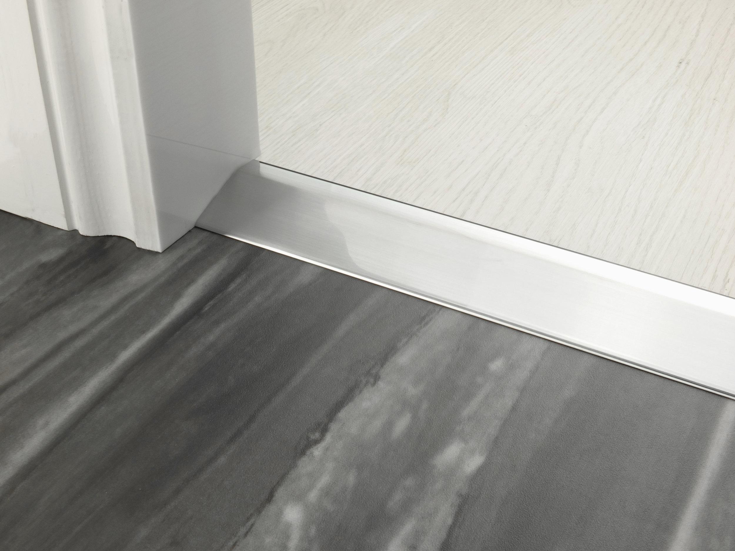 stairrods-doorbar-brushed-chrome-16mm-ramp.jpg