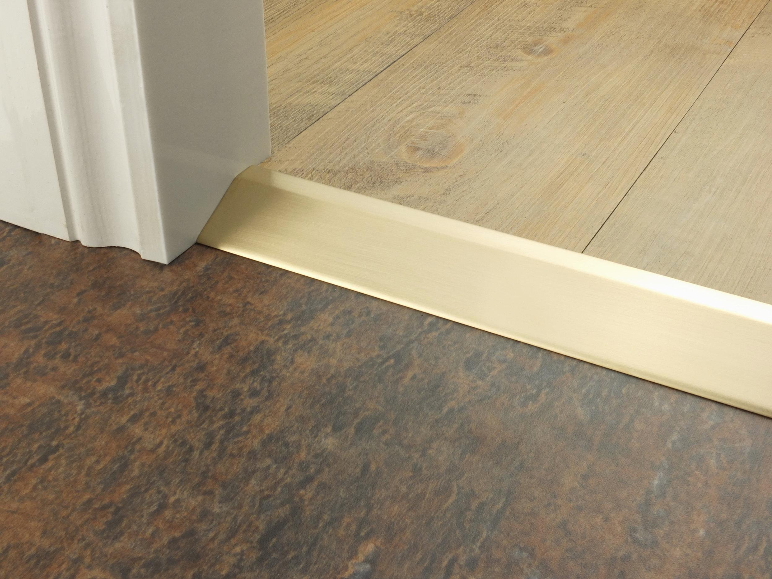 stairrods-doorbar-satin-brass-16mm-ramp.jpg