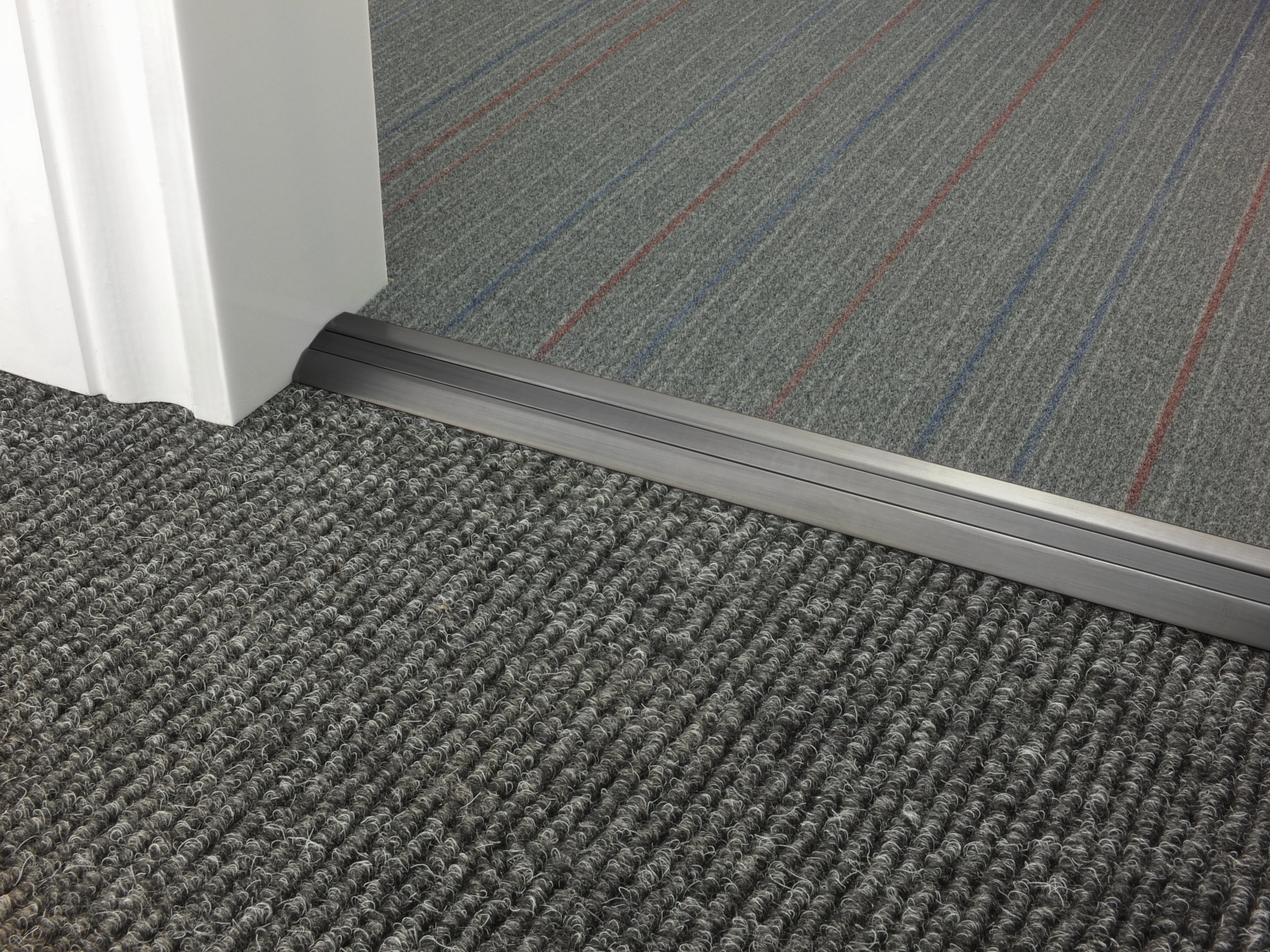 stairrods-doorbar-pewter-posh-30-CTC.jpg