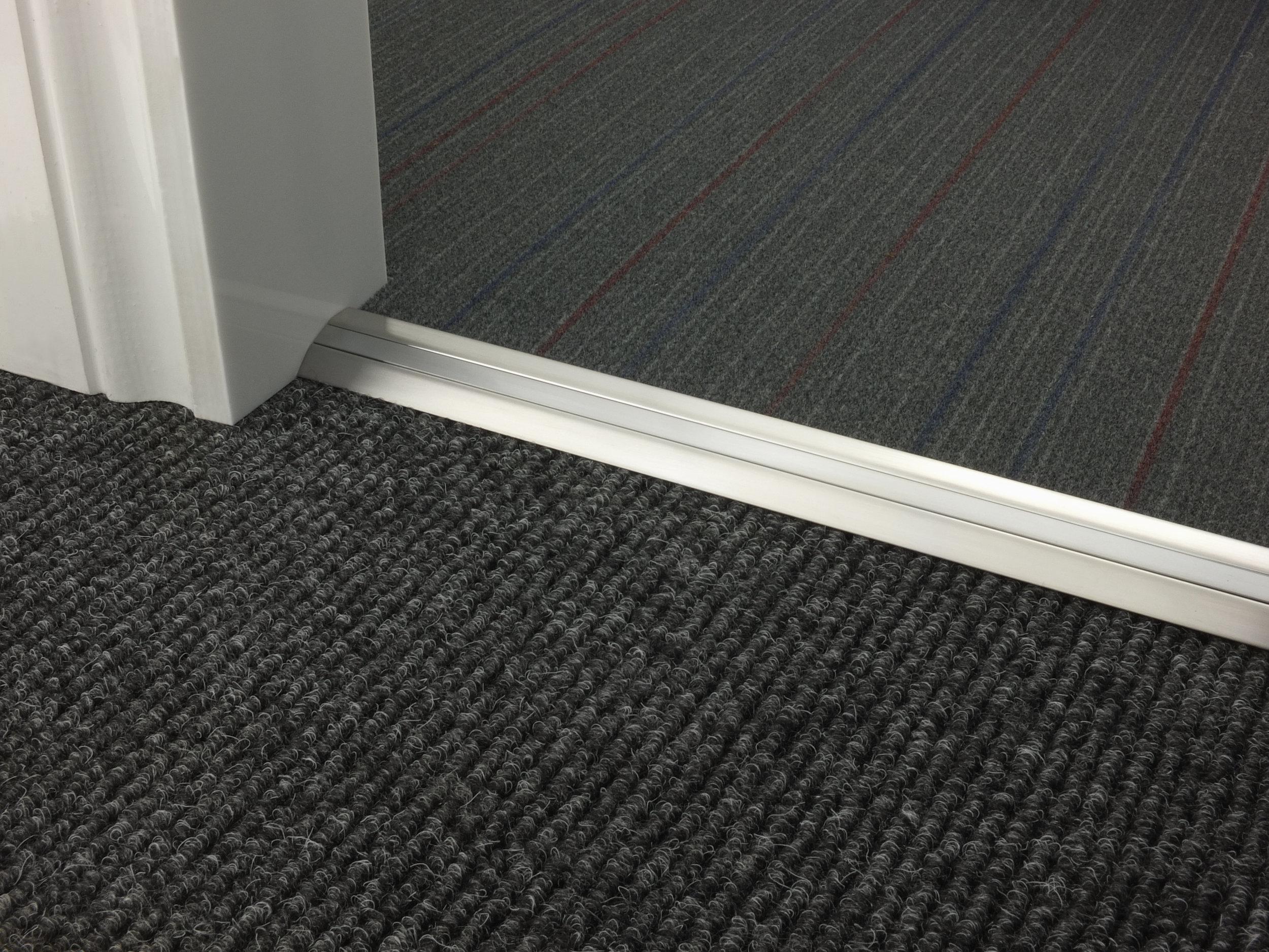 stairrods-doorbar-satin-nickel-posh-30-CTC.jpg