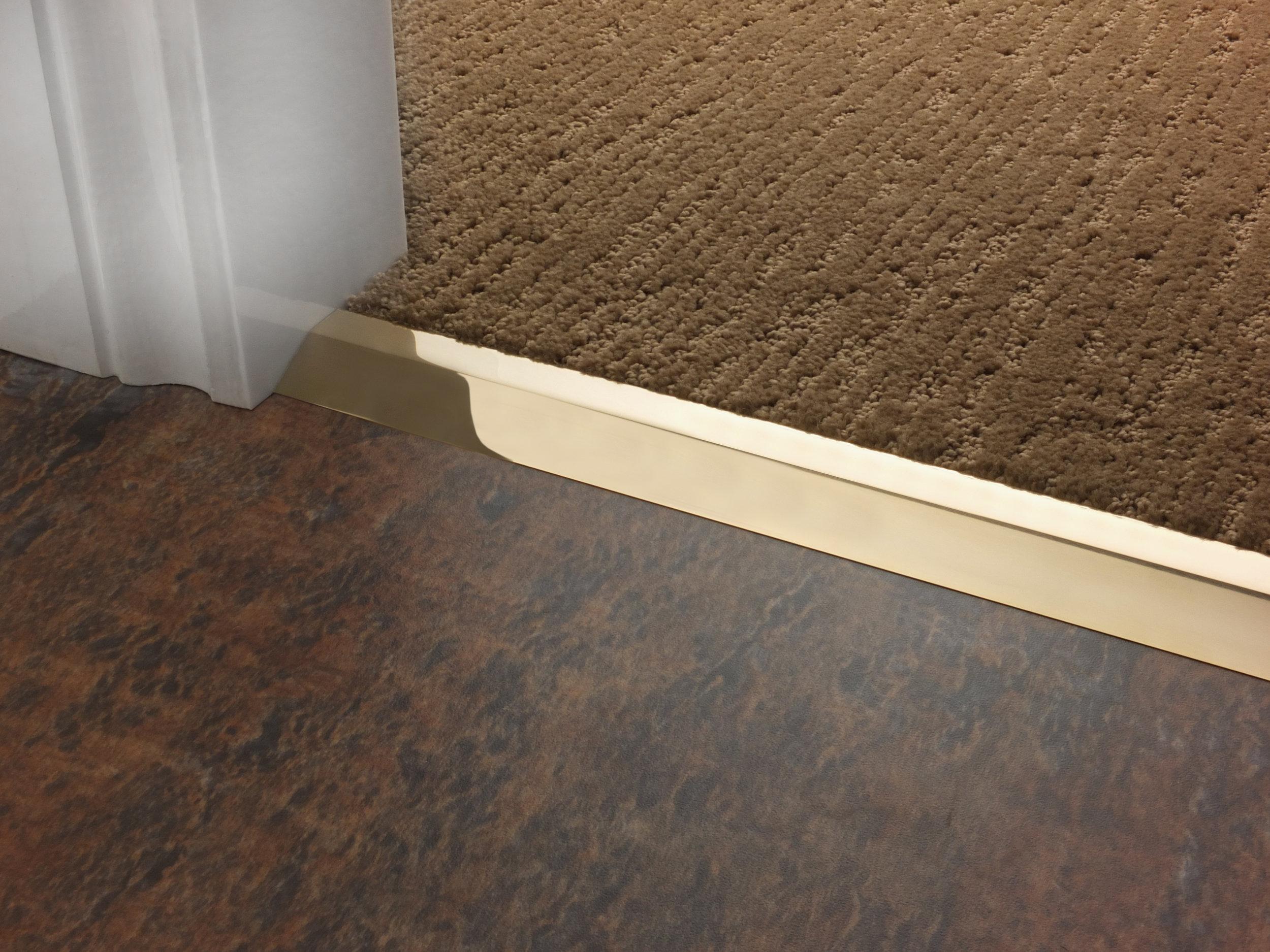stairrods-doorbar-brass-compression-ramp-8mm-LHF.jpg