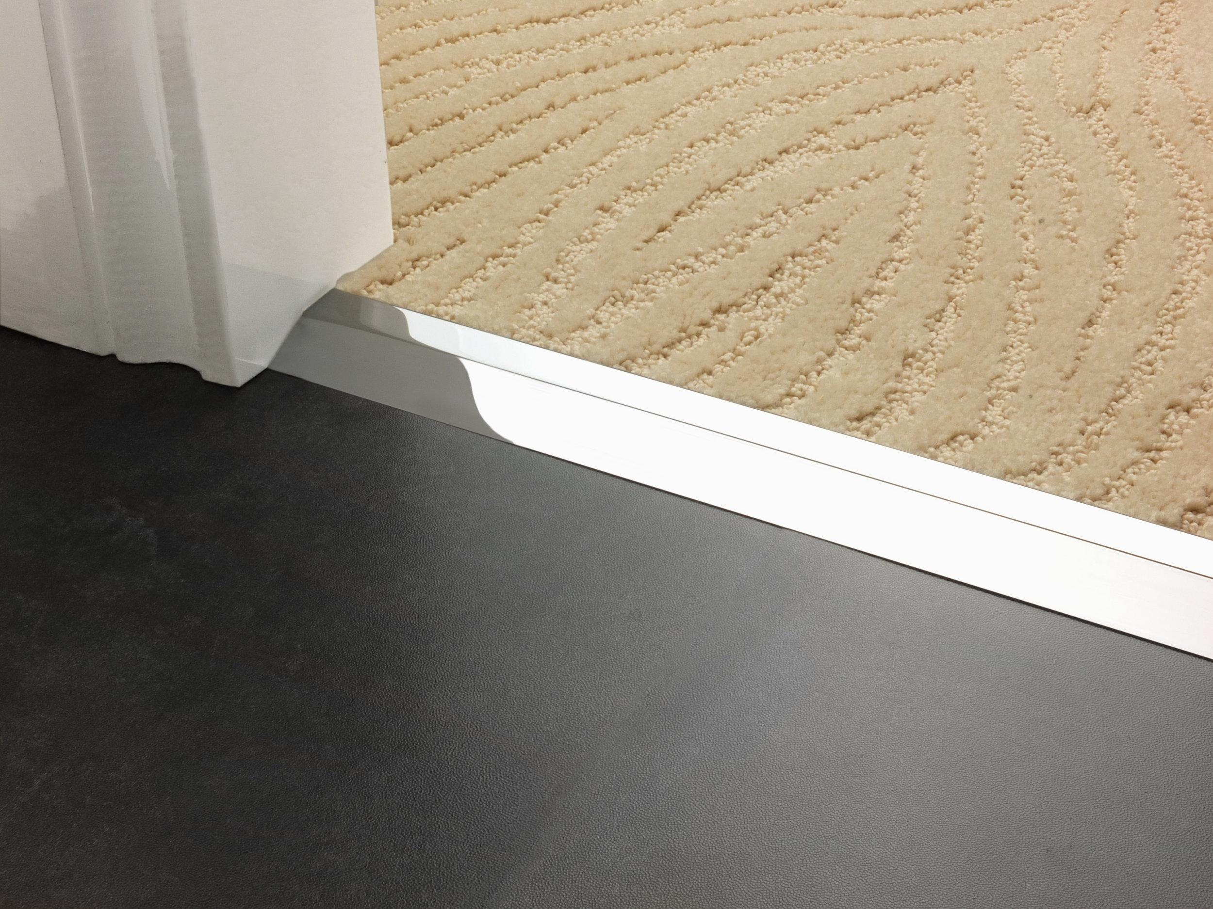 stairrods-doorbar-chrome-compression-ramp-8mm-LHF 1.jpg