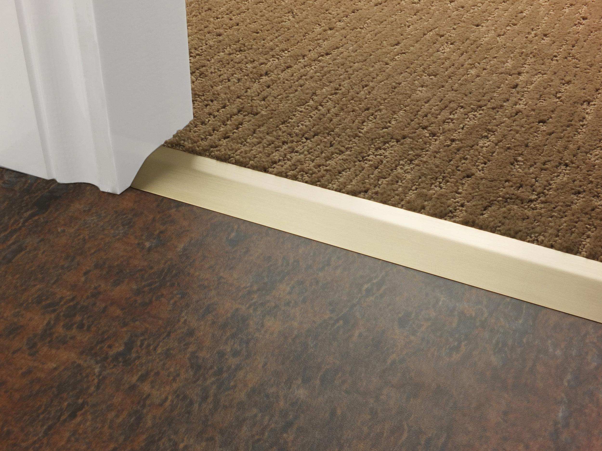 stairrods-doorbar-satin-brass-compression-ramp-8mm-LHF.jpg