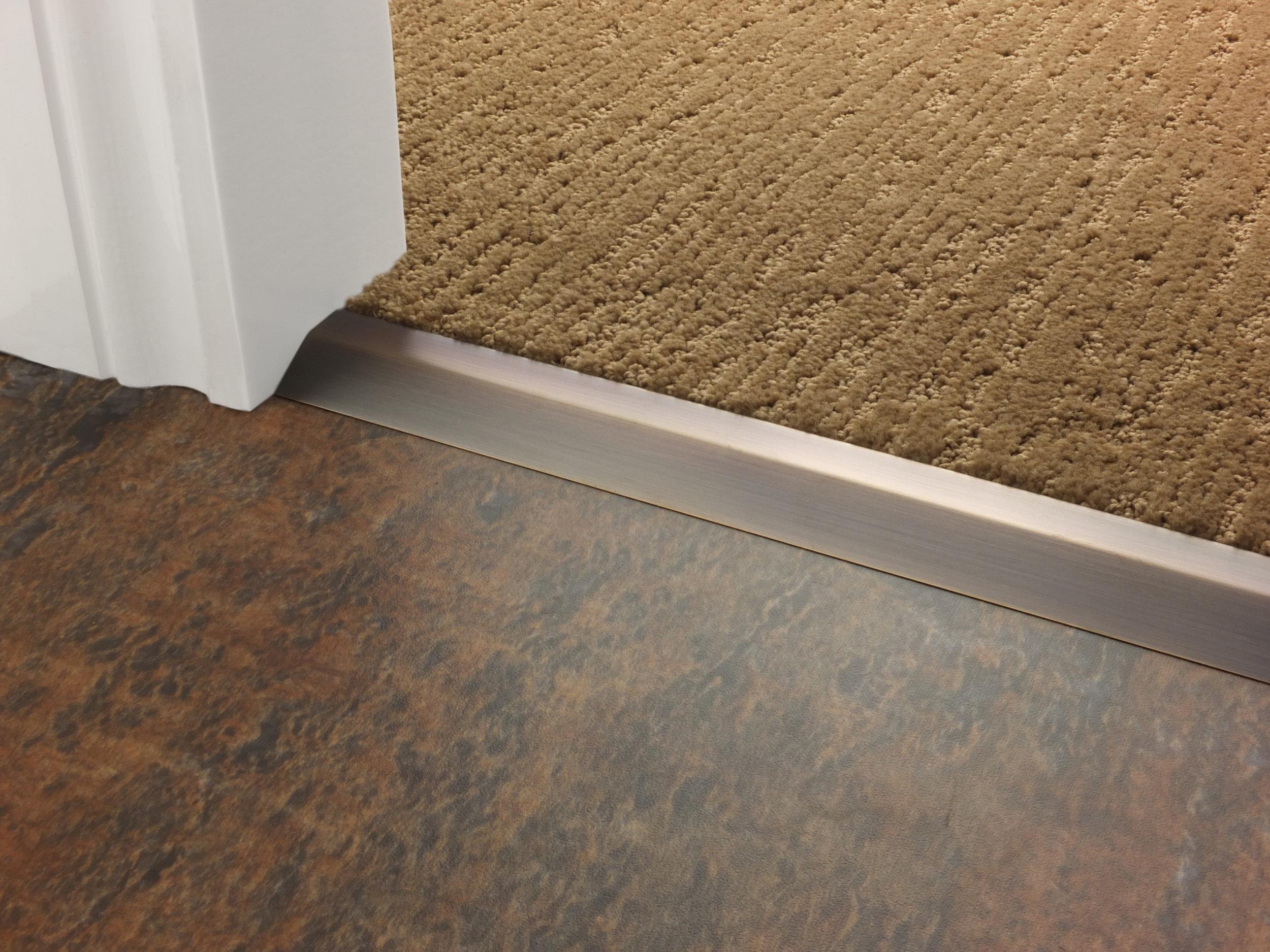 stairrods-doorbar-bronze-compression-ramp-8mm-LHF.jpg