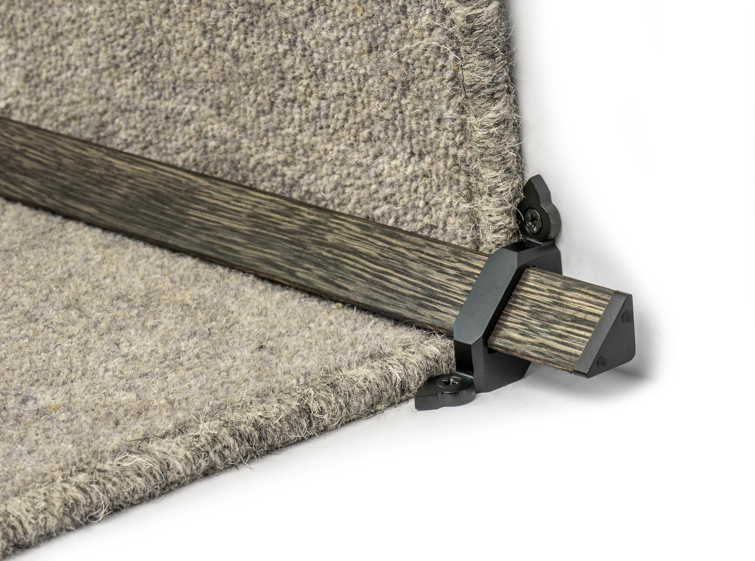 stairrods-black-wooden-tudor 3.jpg