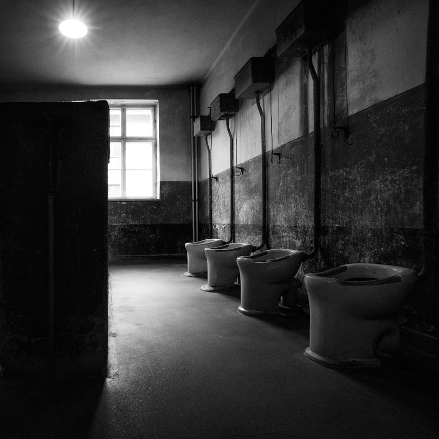 Aus1_Toilet.jpg