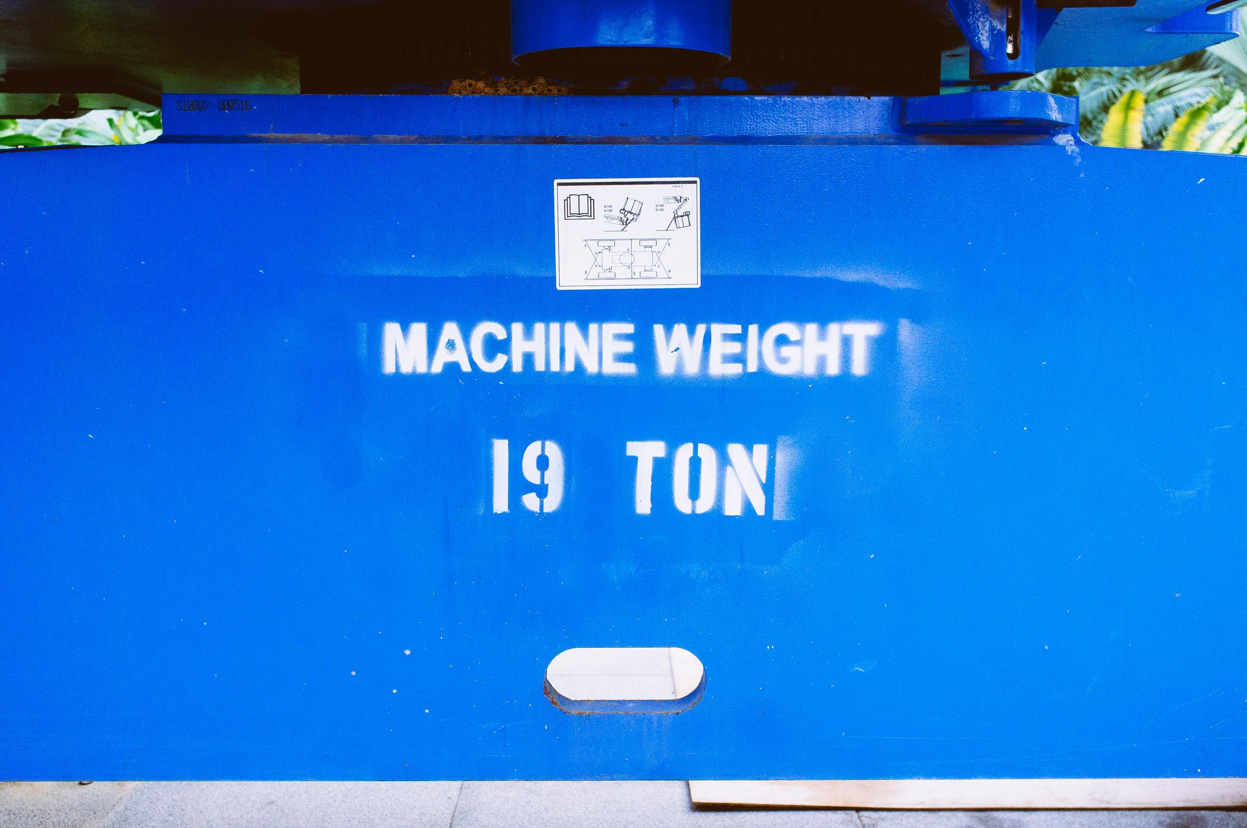 Machine Weight 19 Ton.jpg
