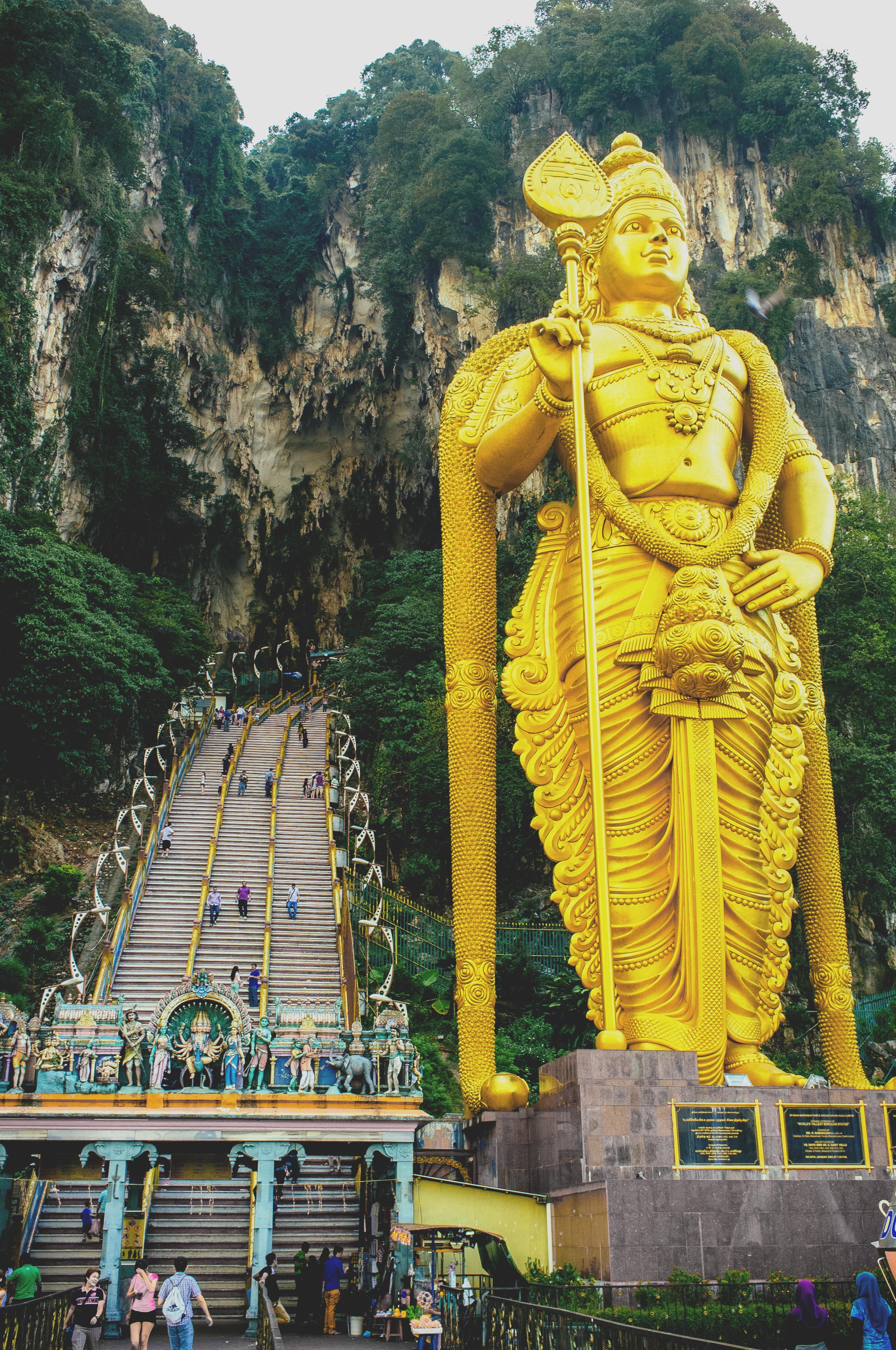 Kuala Lumpur Batu Caves Entrance.jpg