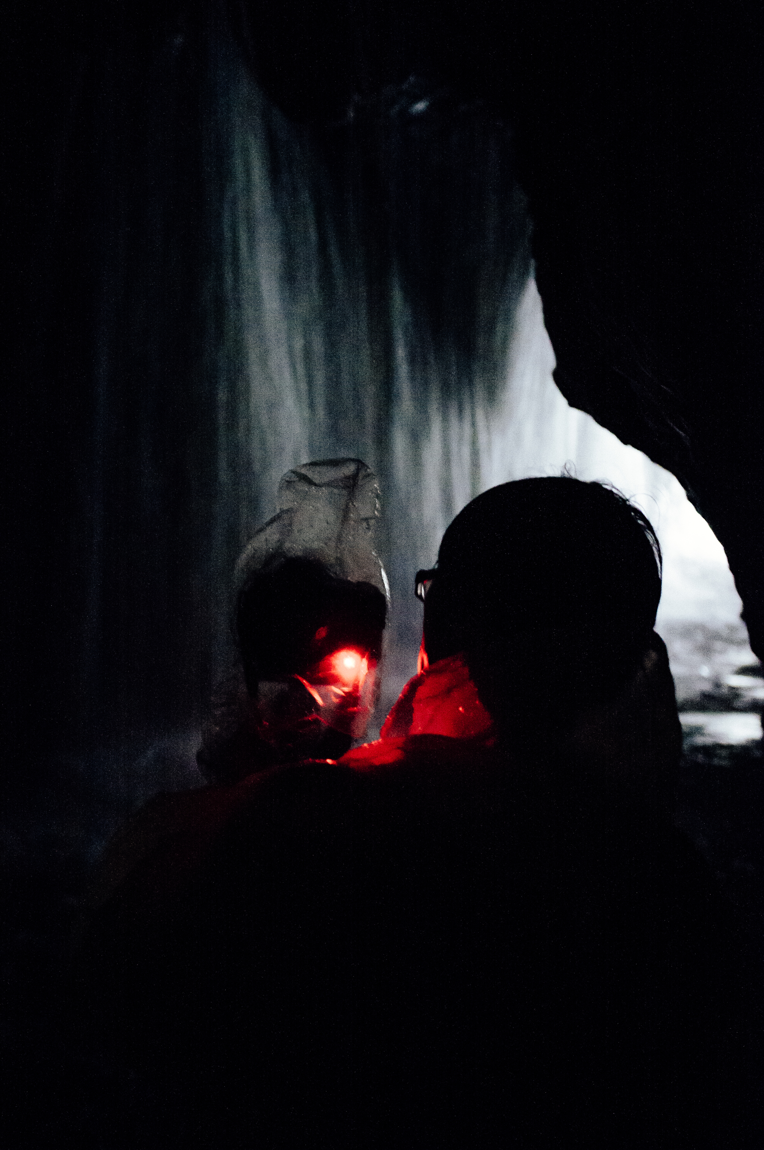 Taroko Cave Waterfall.jpg