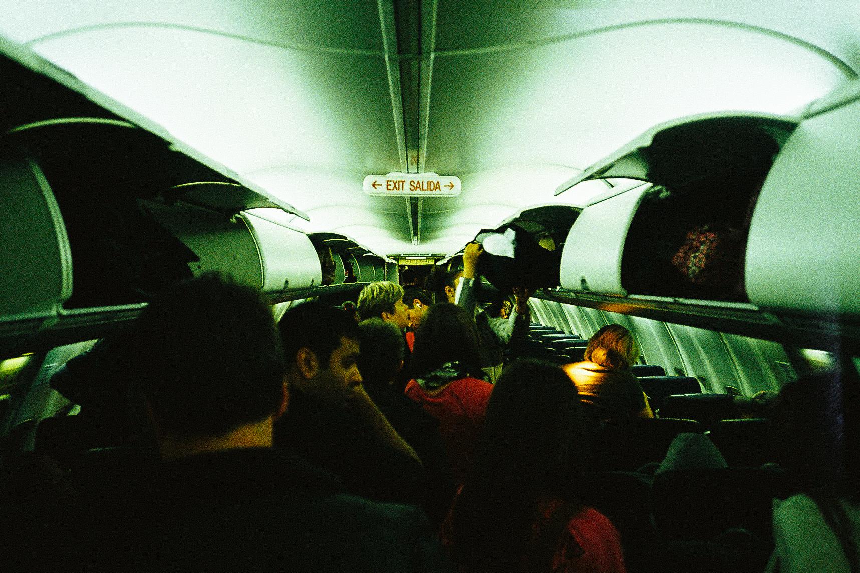 Airplane Alighting Mju.jpg