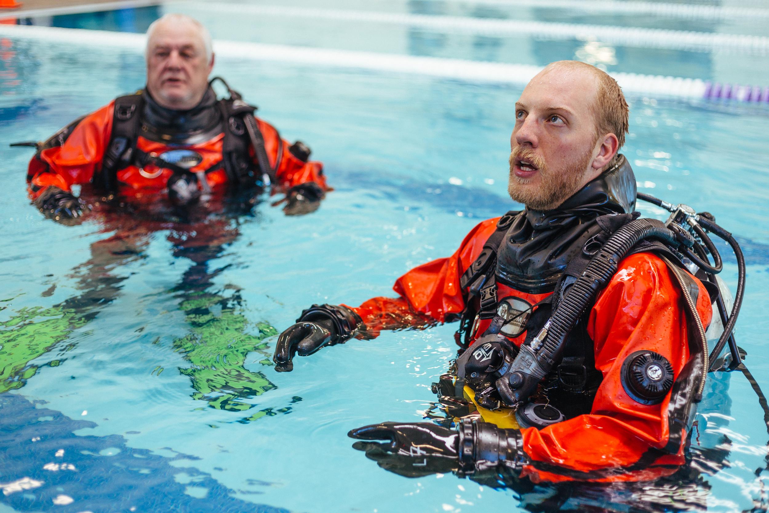 BES Dive Pool Practice Mark-Walker.jpg