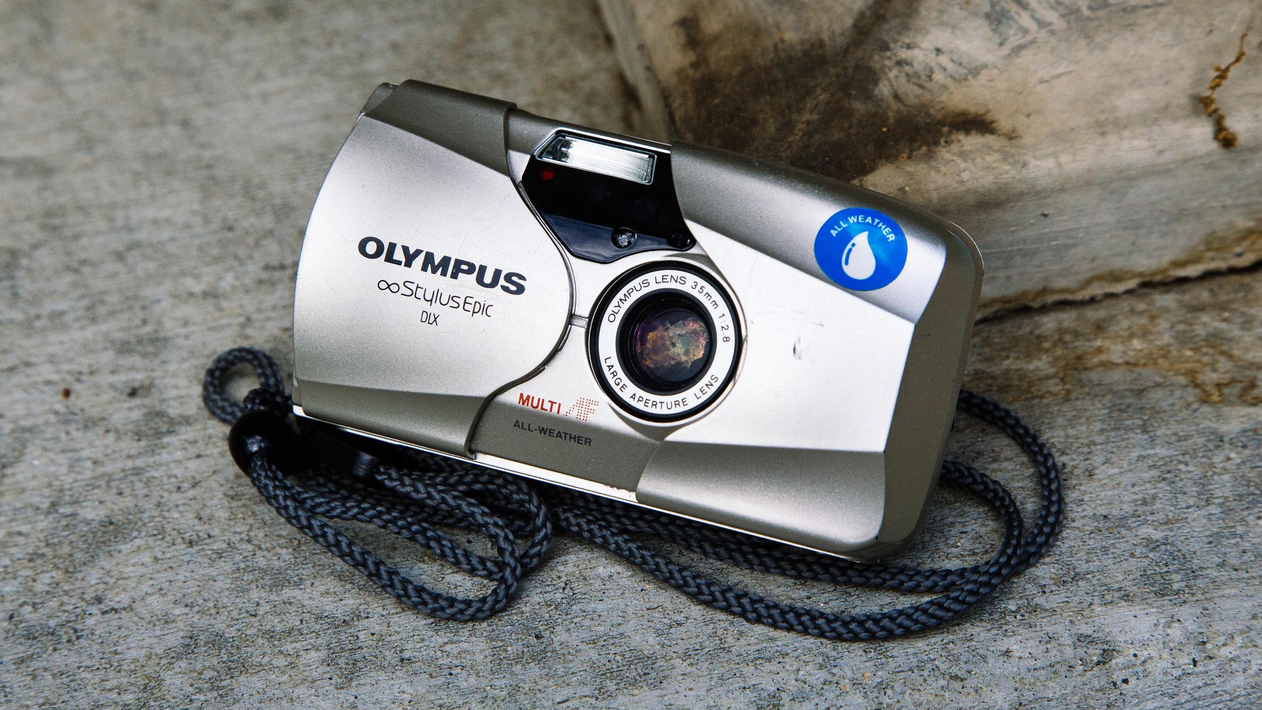 Olympus Stylus Epic DLX (Mju II) 2.jpg