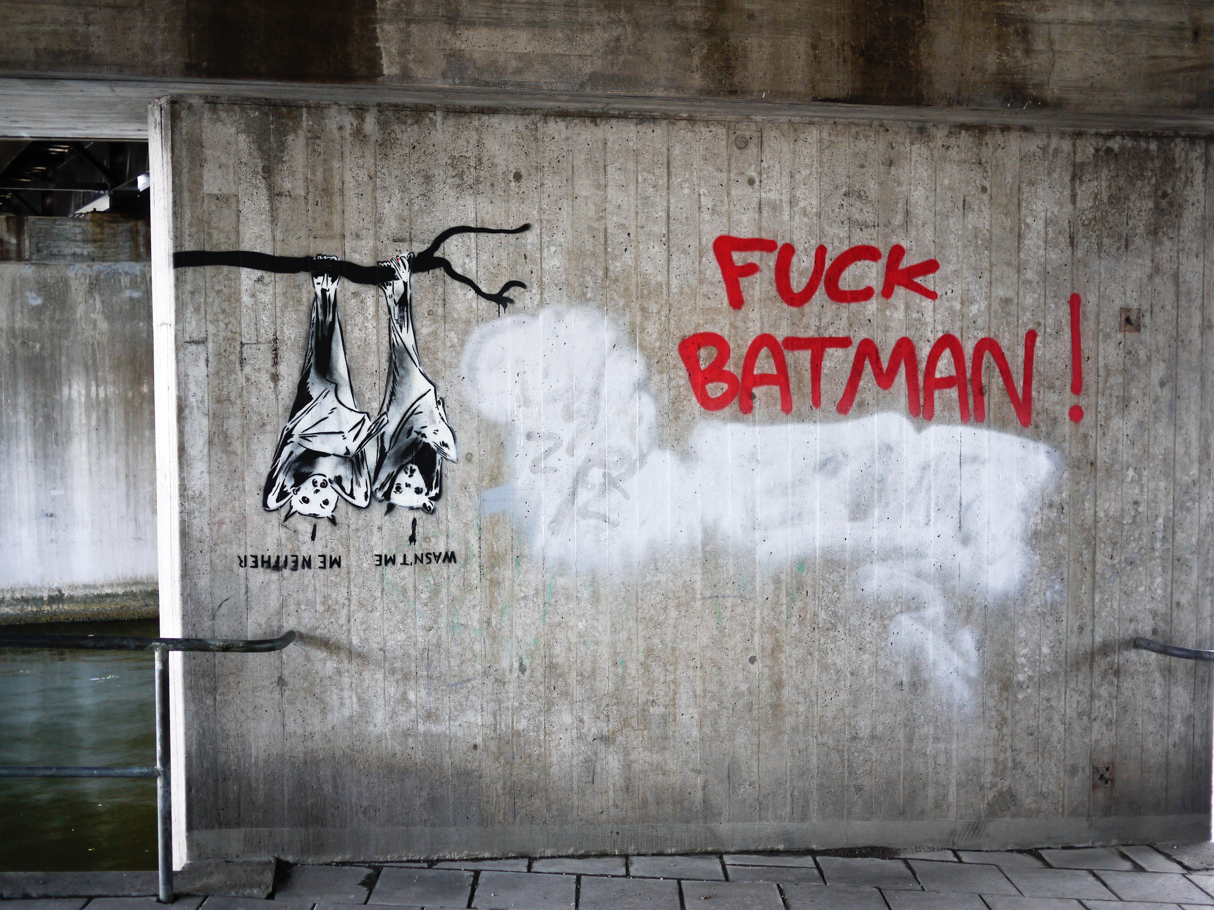 Batman Grafitti.jpg