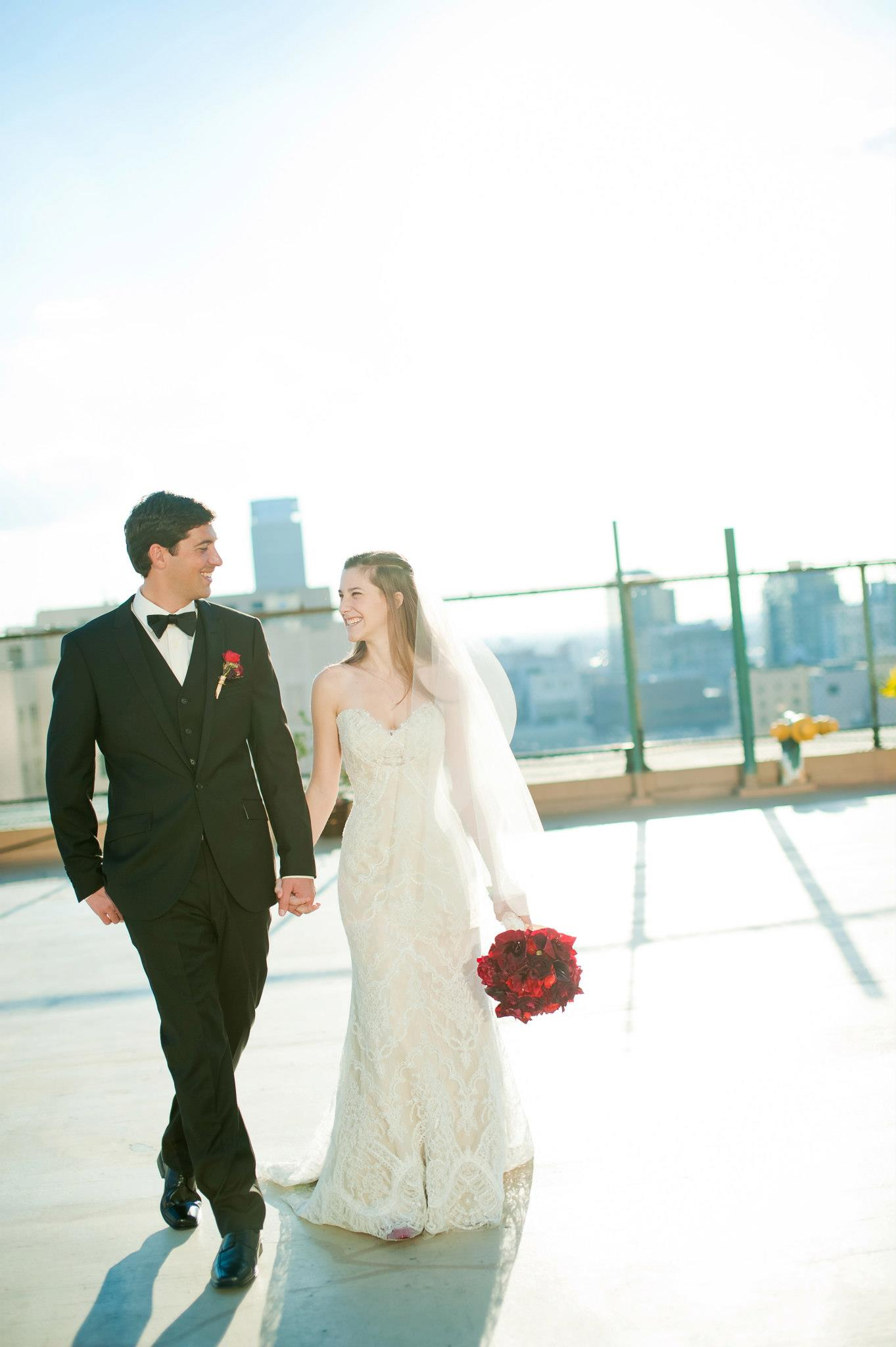 wandering_study_adventure_videographer_juan_turcios_wedding_photos_walking
