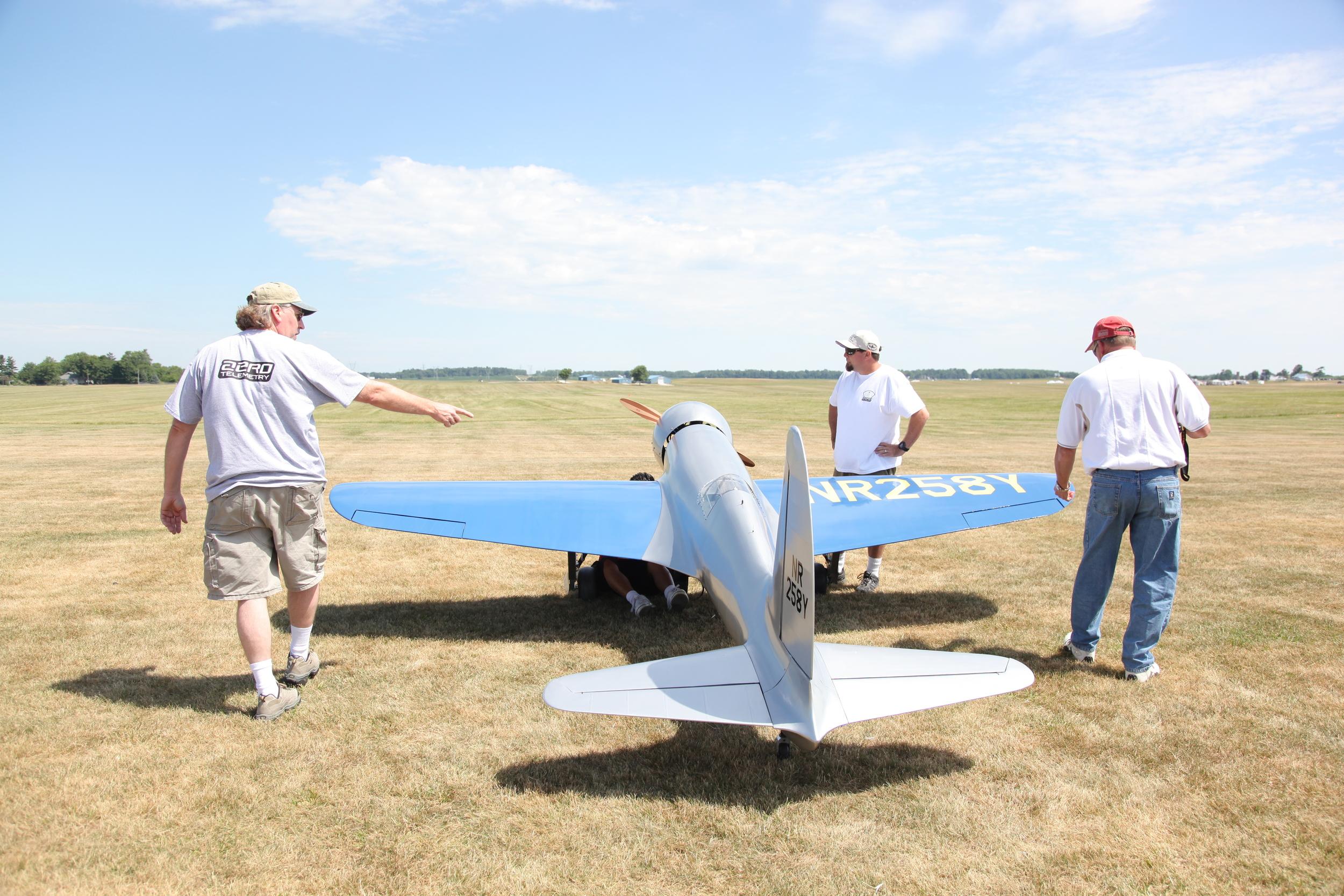 Aero H1 Racer flight crew