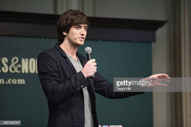 gettyimages-163105787-612x612.jpg