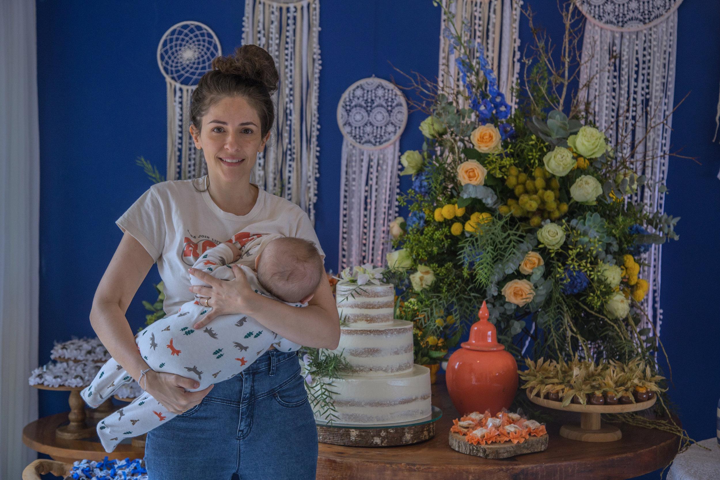 Betina acompanha desde sempre os casamentos, aí ela estava com 6 meses.